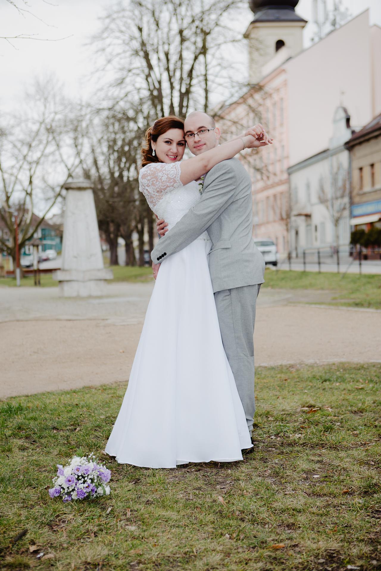 Svatební fotograf Lysá nad Labem Studio Beautyfoto, svatební video, svatební klip, ateliér, exteriér, svatba na Radnici Lysá nad Labem