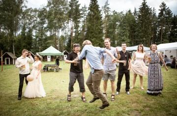 svatební fotograf boho svatba přírodní svatba-91
