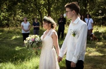 svatební fotograf boho svatba přírodní svatba-17
