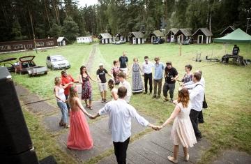 svatební fotograf boho svatba přírodní svatba-76