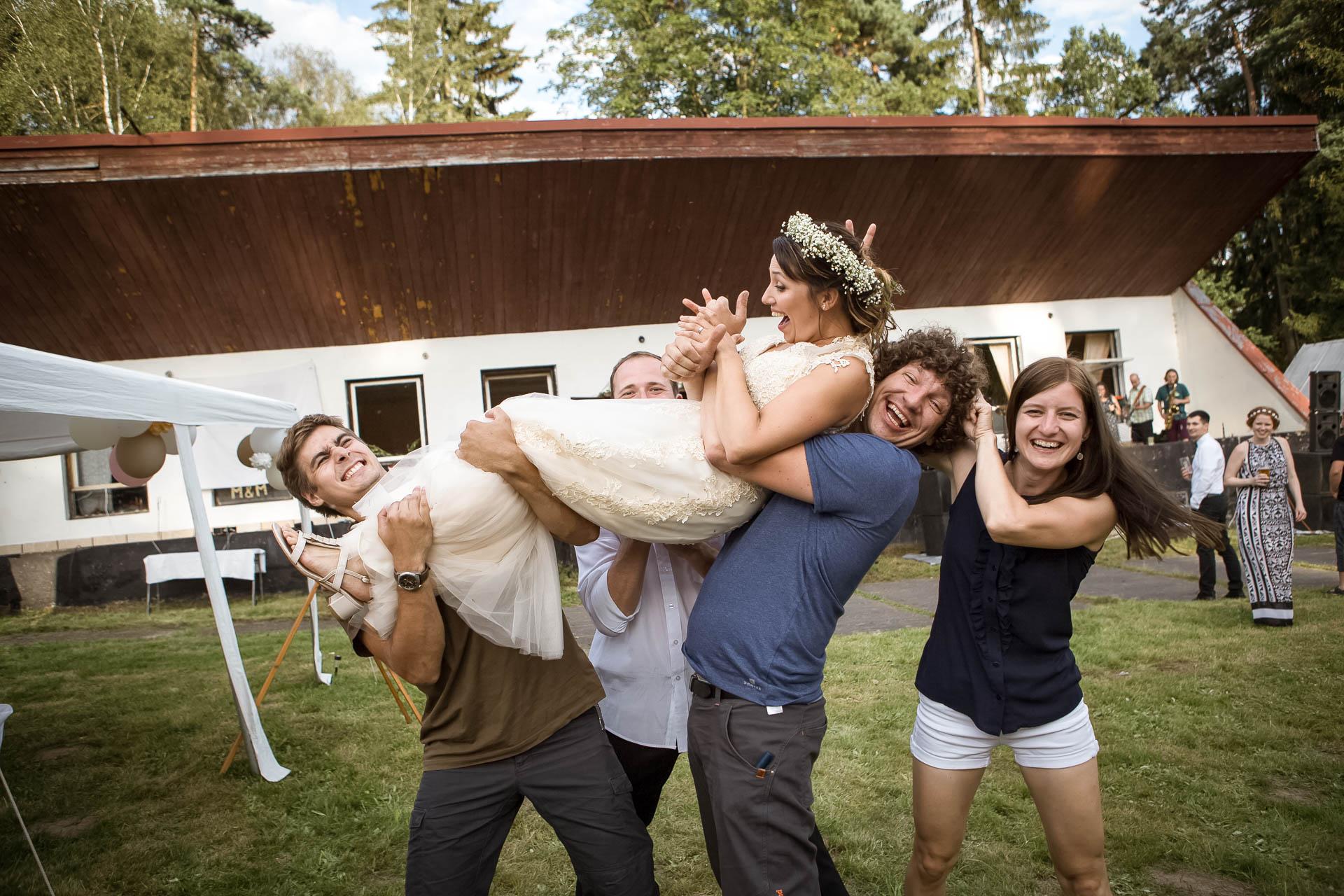 svatební fotograf boho svatba přírodní svatba-81