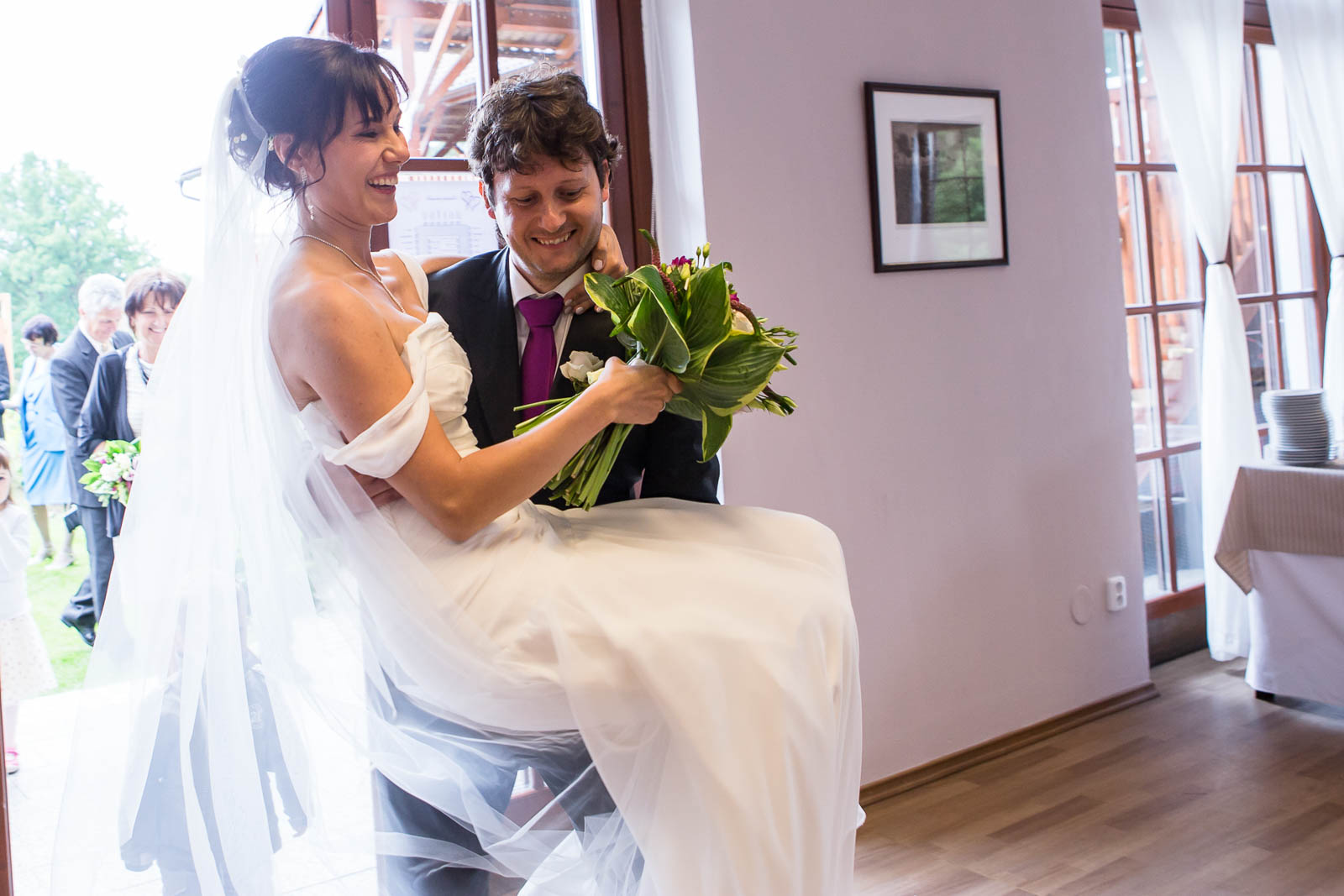 Svatební-fotografie-Mirka-a-Petr-svatební-fotograf- svatebni-kameraman-studio-Beautyfoto-Jižní-Čechy-Zvíkov-Orlík-svatební-videobeautyfoto-59