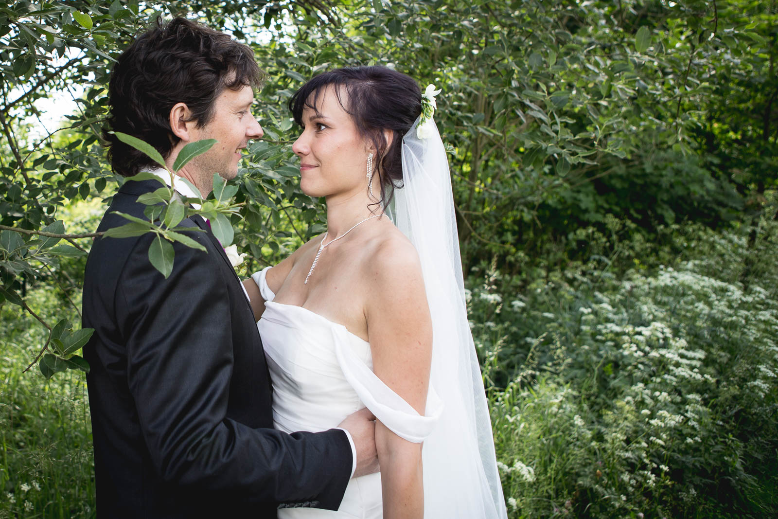 Svatební-fotografie-Mirka-a-Petr-svatební-fotograf- svatebni-kameraman-studio-Beautyfoto-Jižní-Čechy-Zvíkov-Orlík-svatební-video beautyfoto-79