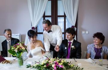 Svatební-fotografie-Mirka-a-Petr-svatební-fotograf- svatebni-kameraman-studio-Beautyfoto-Jižní-Čechy-Zvíkov-Orlík-svatební-video beautyfoto-61