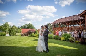 Svatební-fotografie-Mirka-a-Petr-svatební-fotograf- svatebni-kameraman-studio-Beautyfoto-Jižní-Čechy-Zvíkov-Orlík-svatební-videobeautyfoto-90