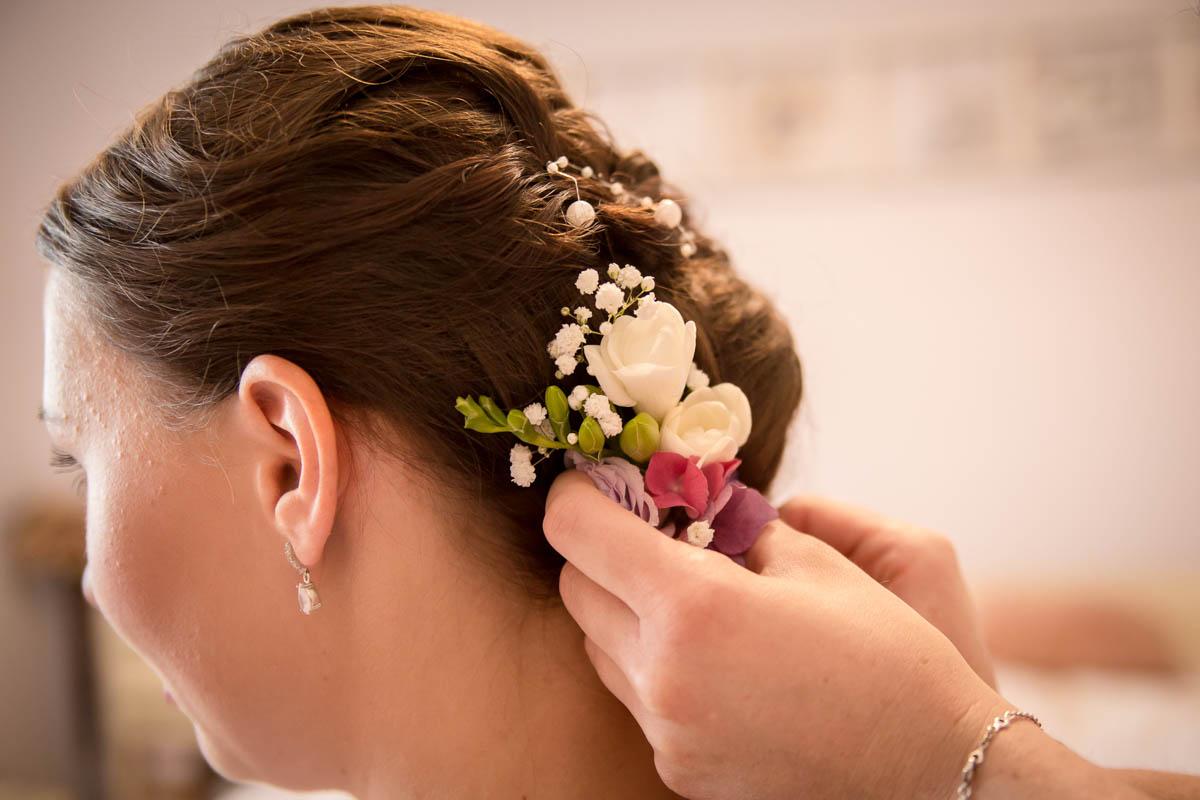 svatební-účes-nevěsta-Svatební-fotograf-Studio-Beautyfoto-Svatba-Loučeň-Svatební-video
