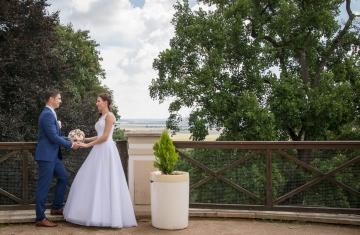 Svatební-fotograf-Studio-Beautyfoto-Svatba-Loučeň-Svatební-video