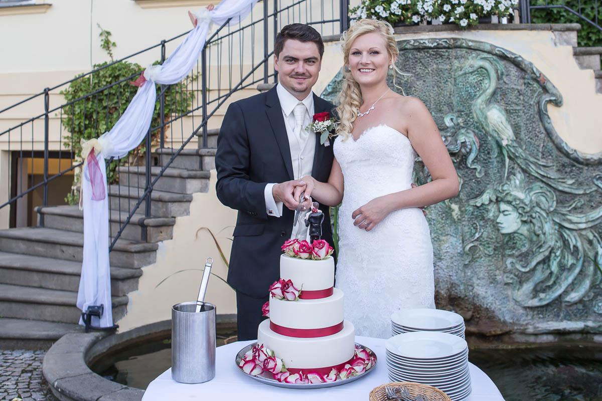 Svatební fotografie Praha, Petřín, Pražský hrad, Nebozízek - Svatební fotograf Studio Beautyfoto, svatební video