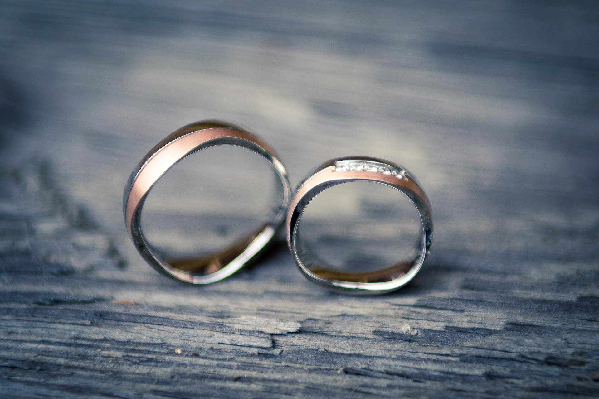 svatební fotografie detail prstýnky