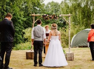svatba v boho stylu, rustikální svatba, přírodní letní svatba Kokořínsko-45