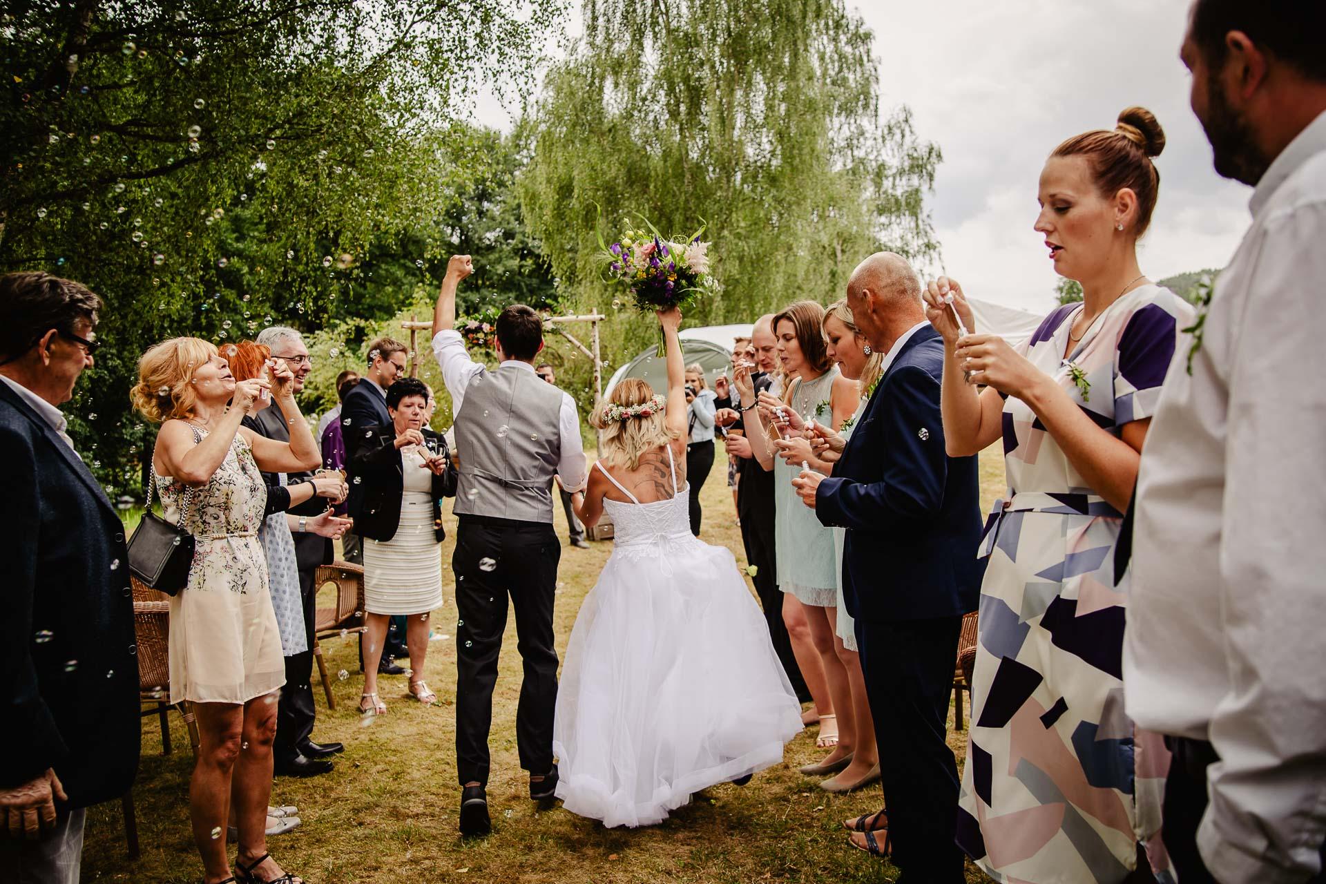 svatba v boho stylu, rustikální svatba, přírodní letní svatba Kokořínsko-109