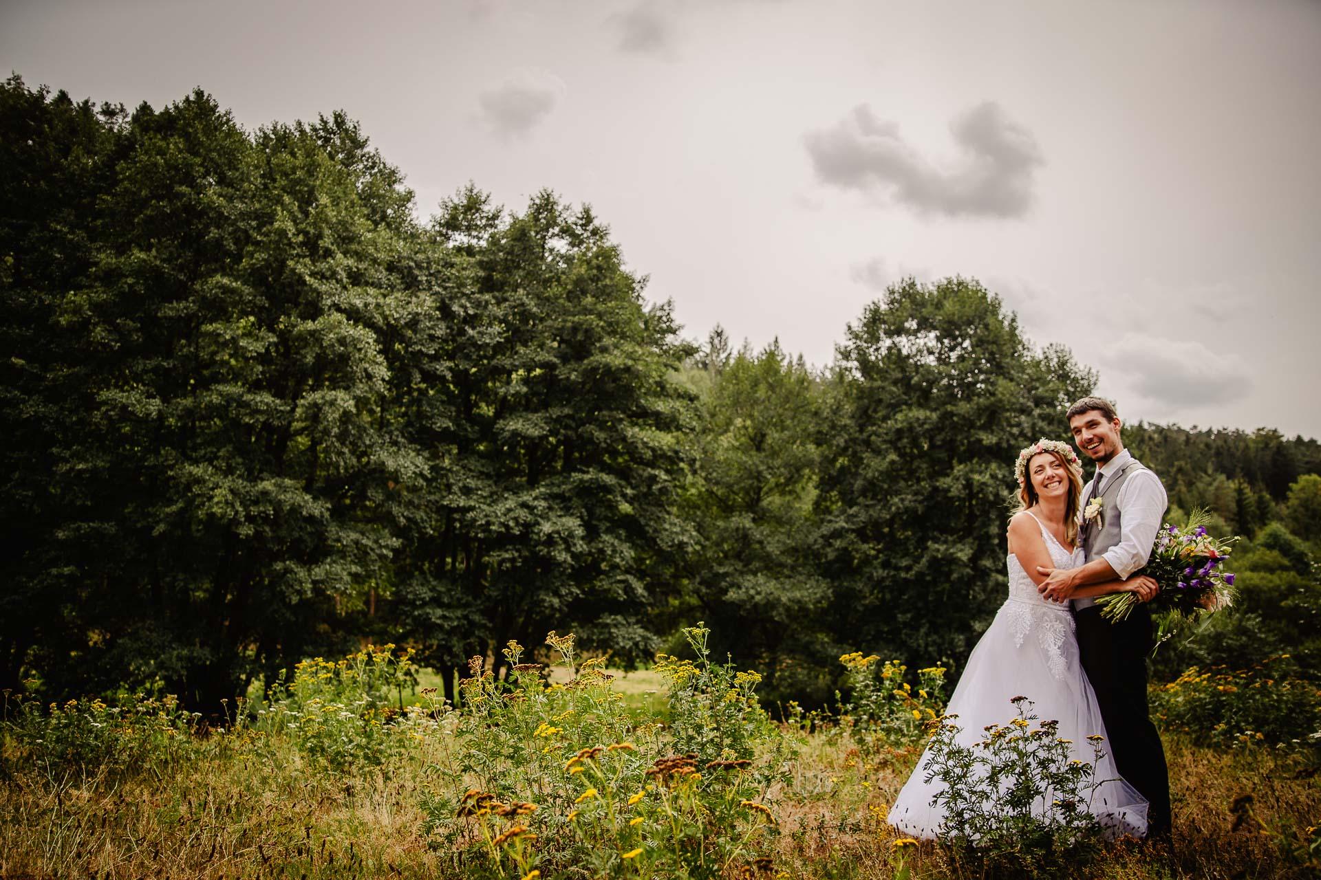 svatba v boho stylu, rustikální svatba, přírodní letní svatba Kokořínsko-146