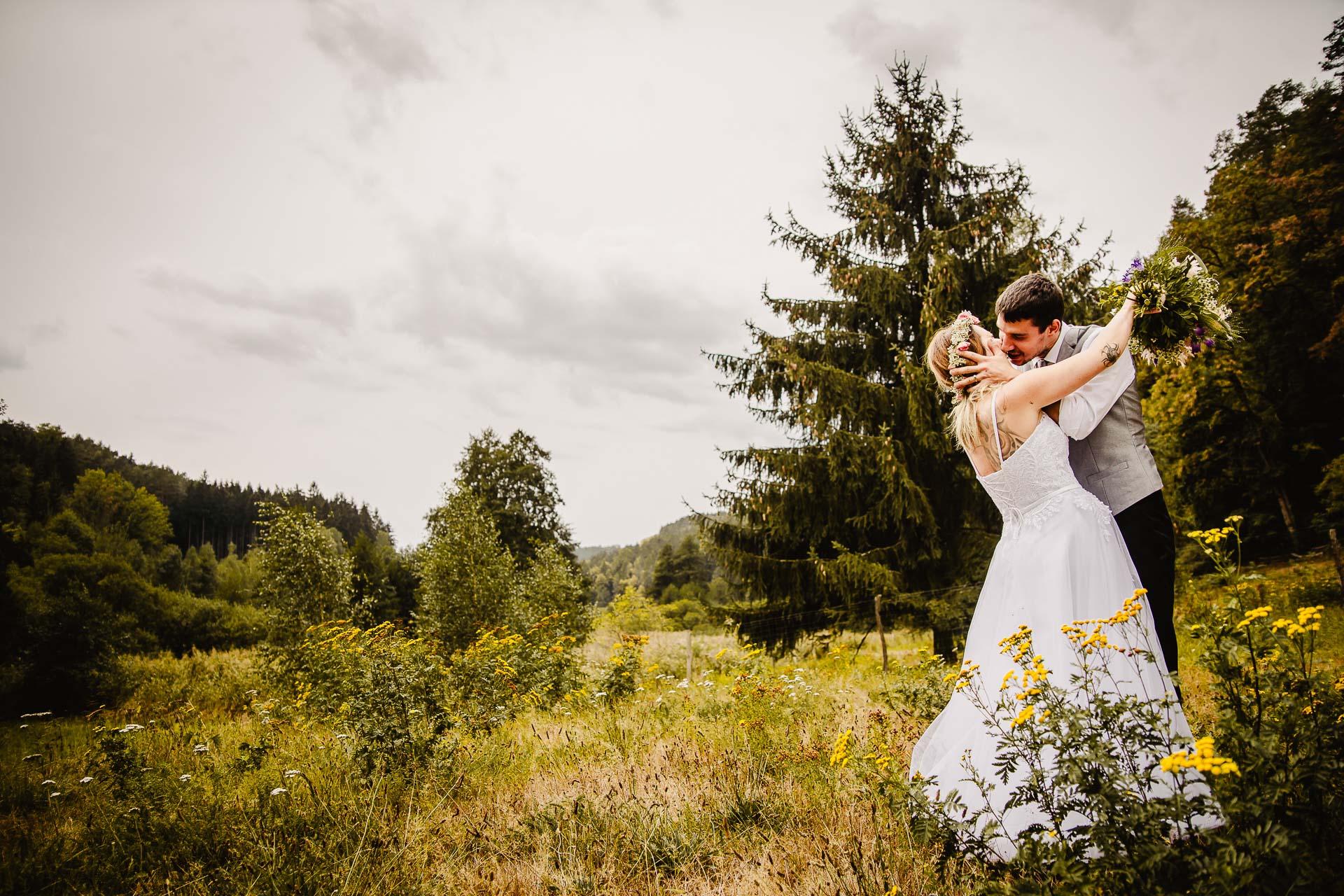 svatba v boho stylu, rustikální svatba, přírodní letní svatba Kokořínsko-157