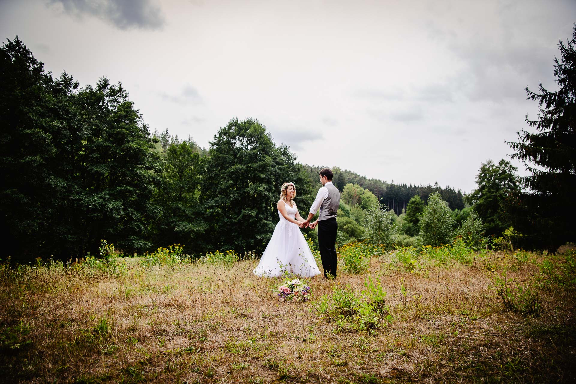 svatba v boho stylu, rustikální svatba, přírodní letní svatba Kokořínsko-160