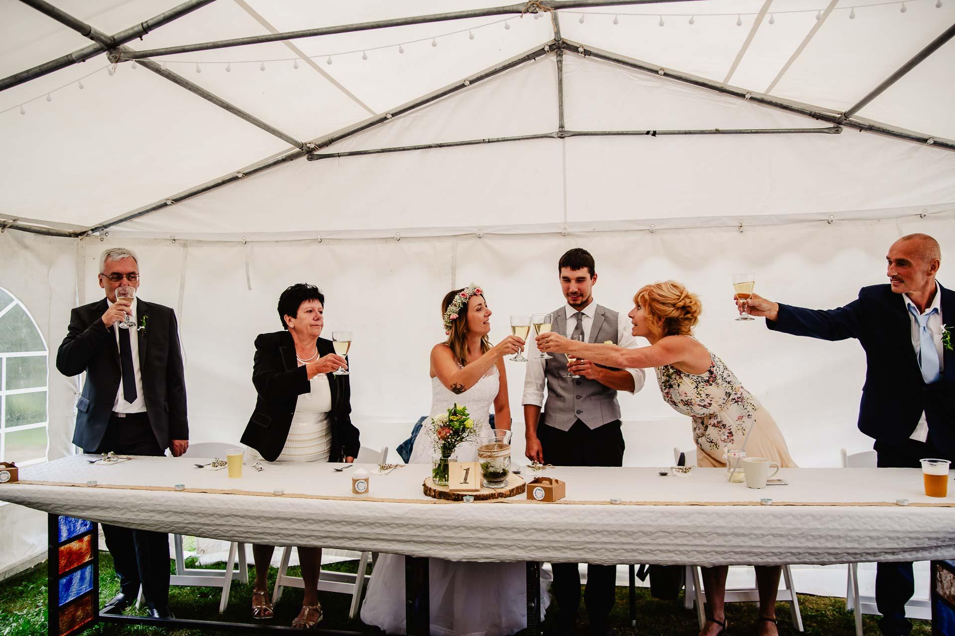 svatba v boho stylu, rustikální svatba, přírodní letní svatba Kokořínsko-217