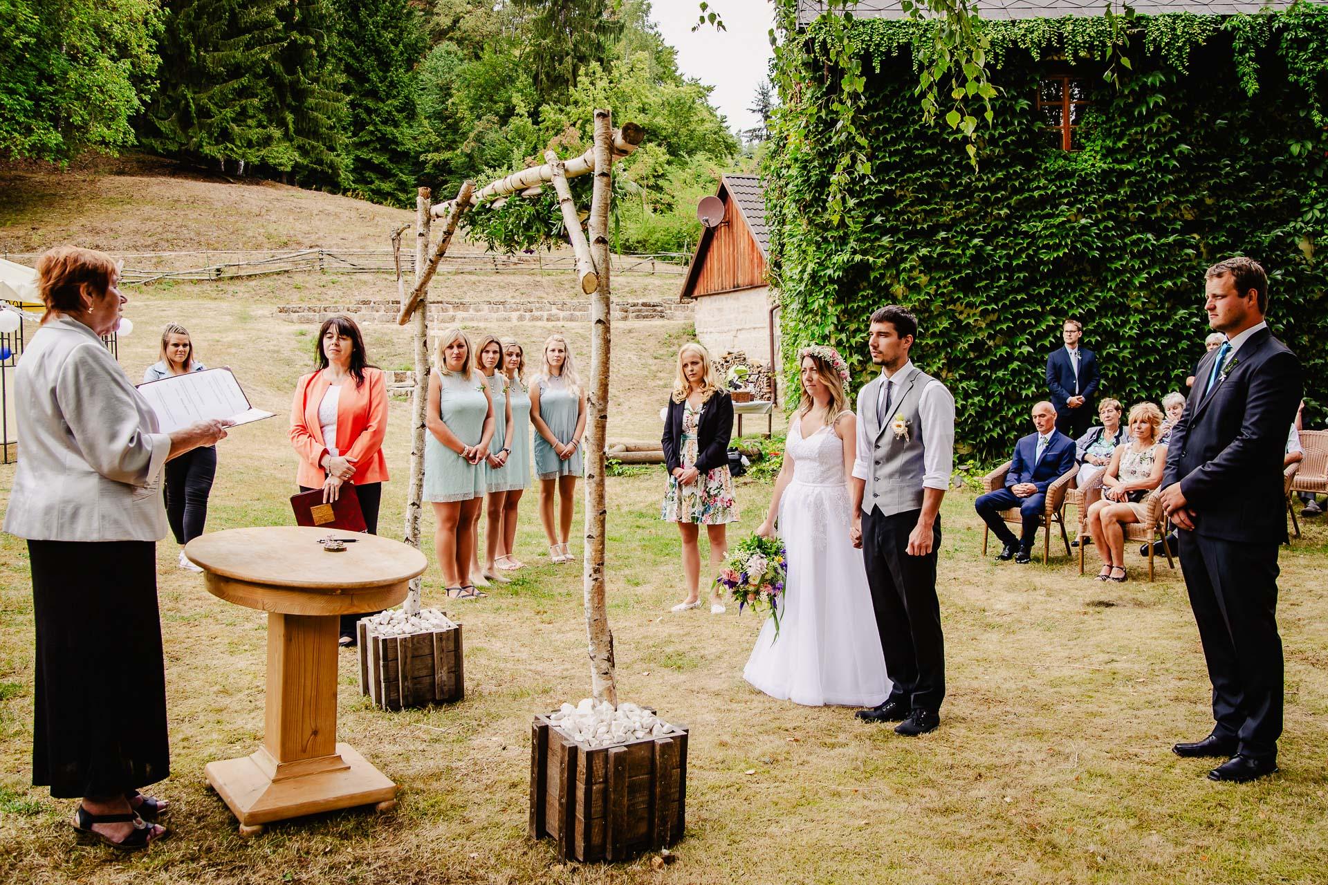 svatba v boho stylu, rustikální svatba, přírodní letní svatba Kokořínsko-54