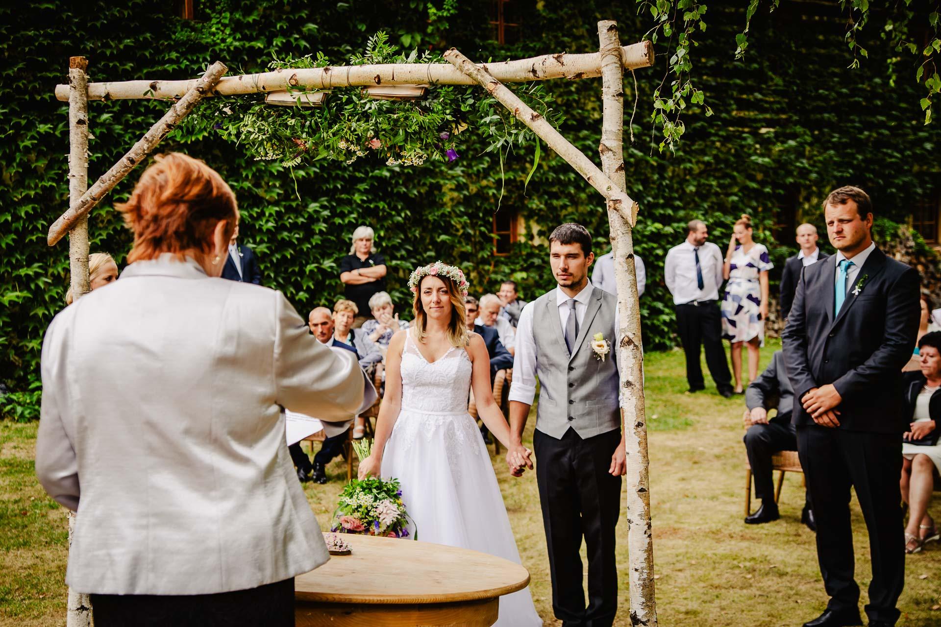 svatba v boho stylu, rustikální svatba, přírodní letní svatba Kokořínsko-55
