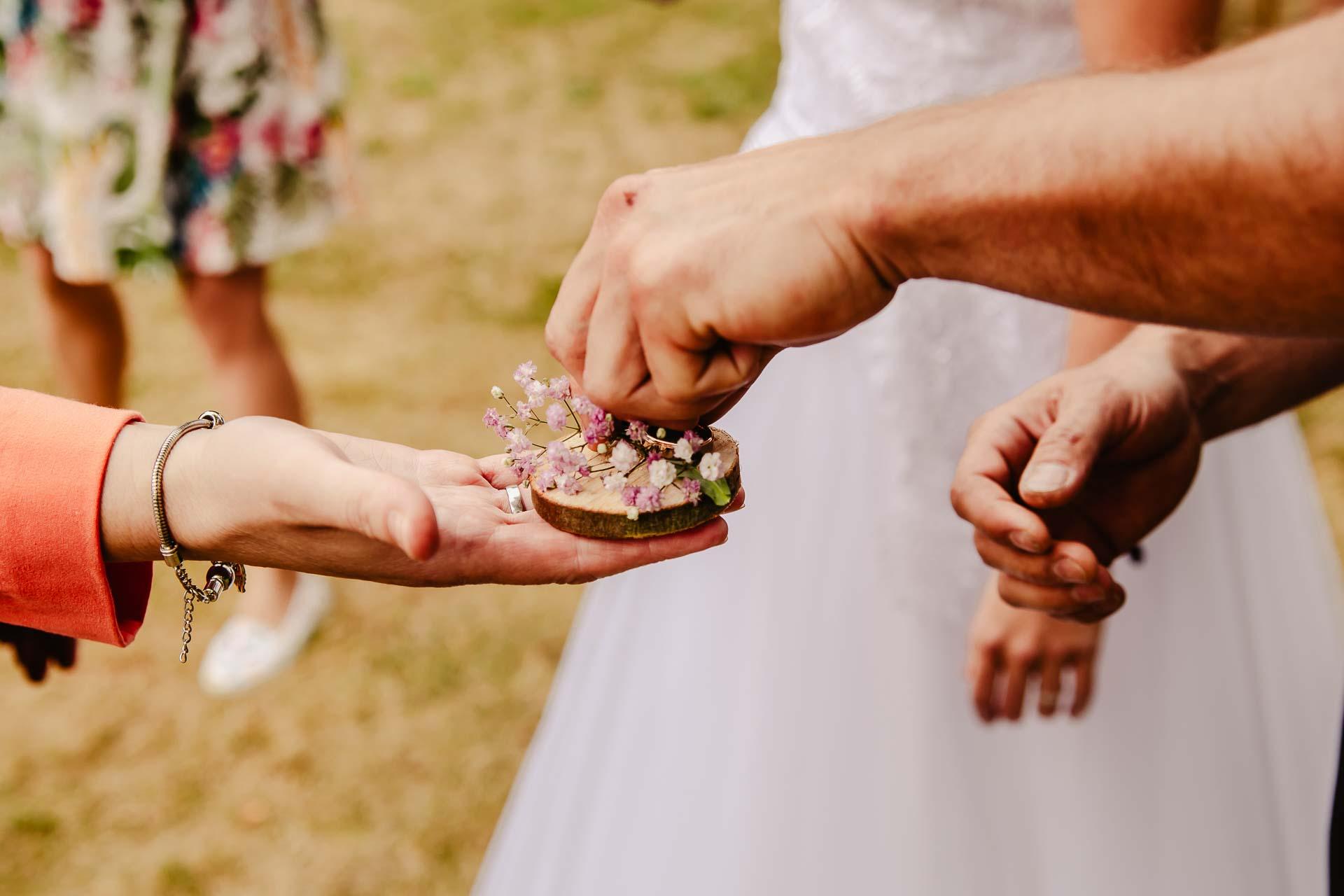 svatba v boho stylu, rustikální svatba, přírodní letní svatba Kokořínsko-59