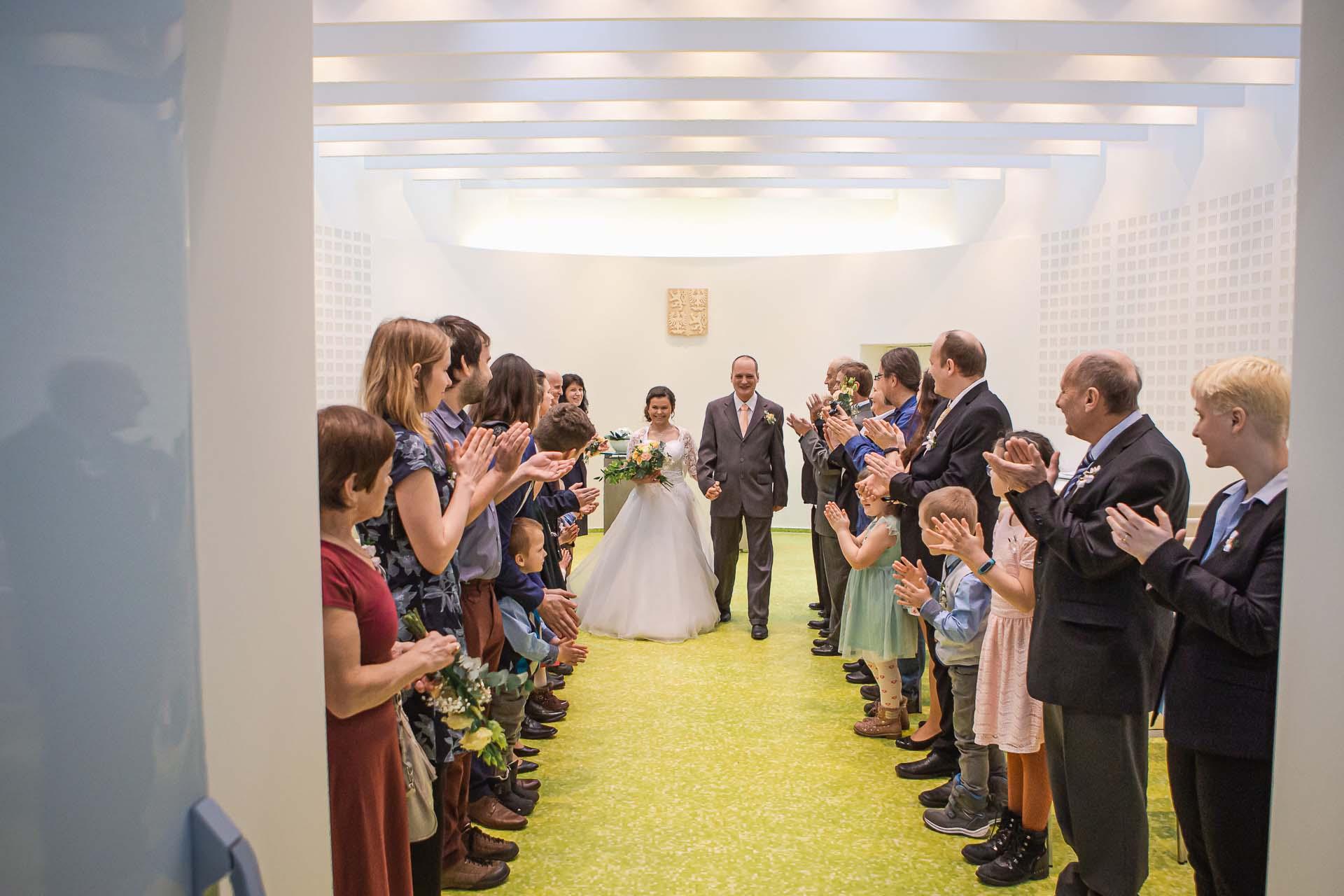 Fotograf-na-svatbu-Milovice