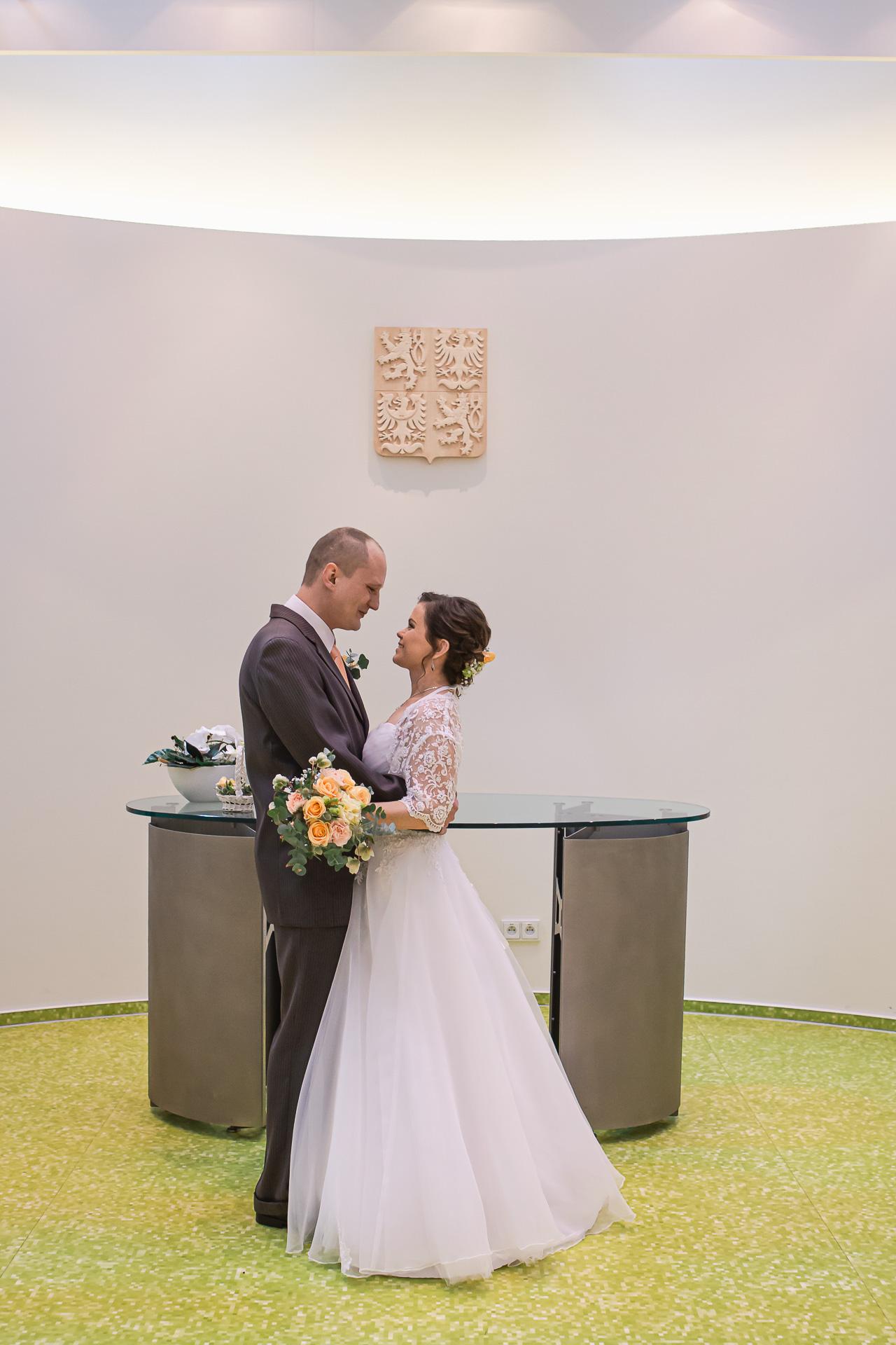 Svatební-fotograf-Milovice-2