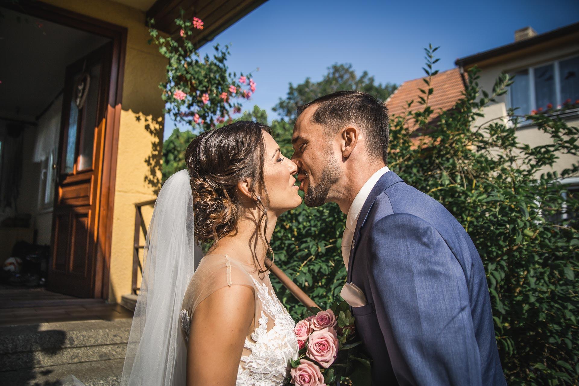 svatební-fotograf-wedding-svatebni-video-orlík-vltava-kostel-statek-stodola-boho-svatba-Beautyfoto-124