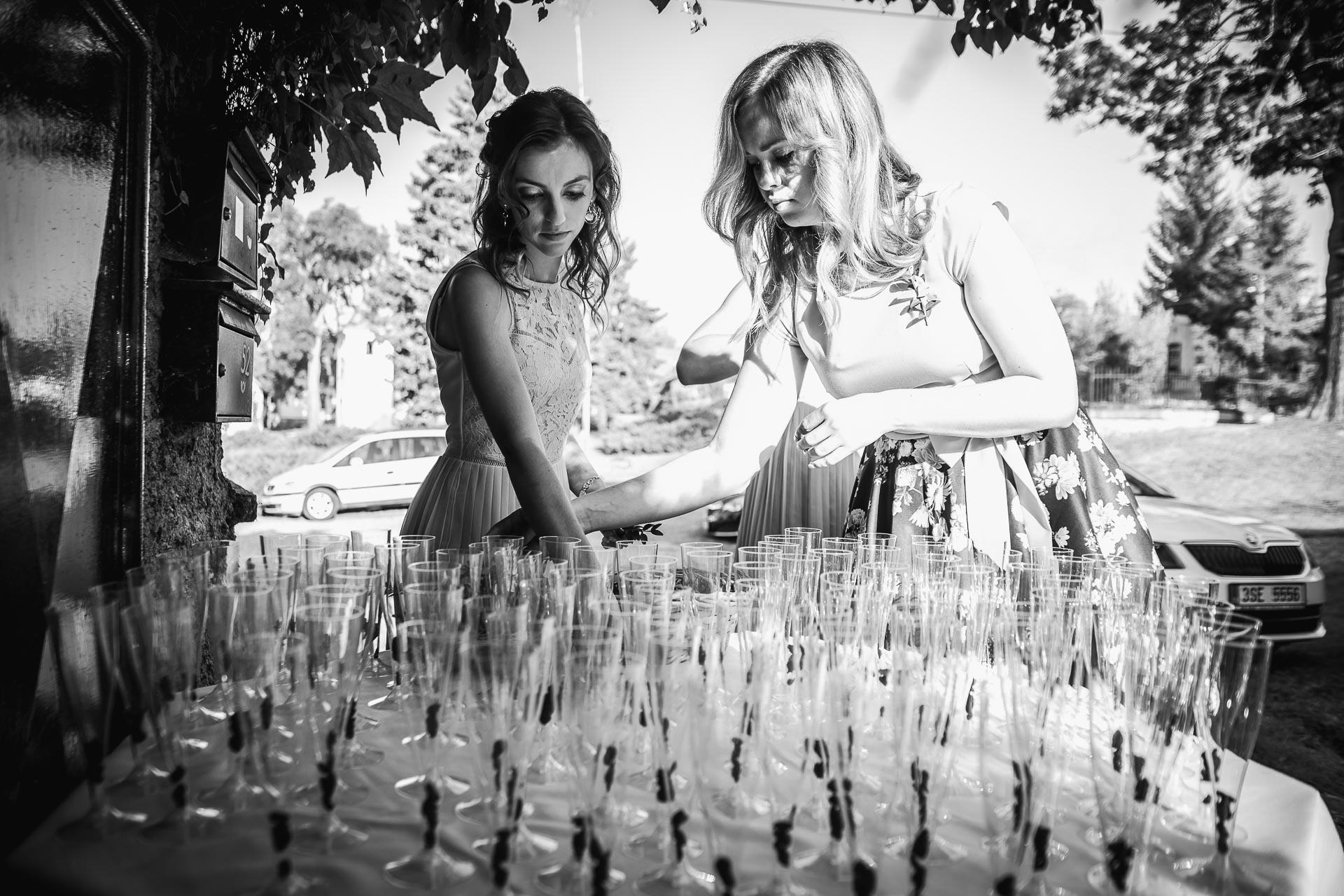 svatební-fotograf-wedding-svatebni-video-orlík-vltava-kostel-statek-stodola-boho-svatba-Beautyfoto-14