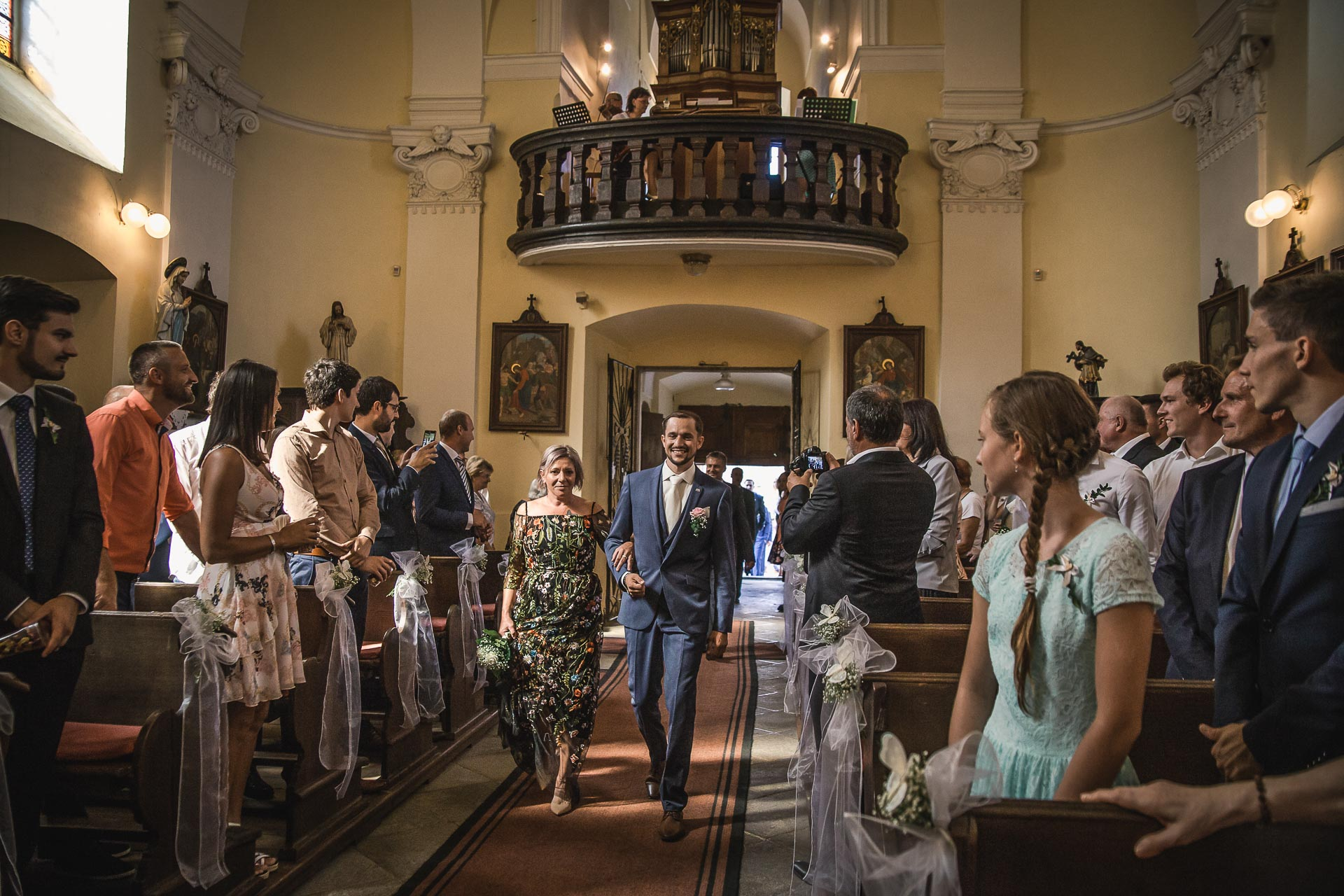 svatební-fotograf-wedding-svatebni-video-orlík-vltava-kostel-statek-stodola-boho-svatba-Beautyfoto-179