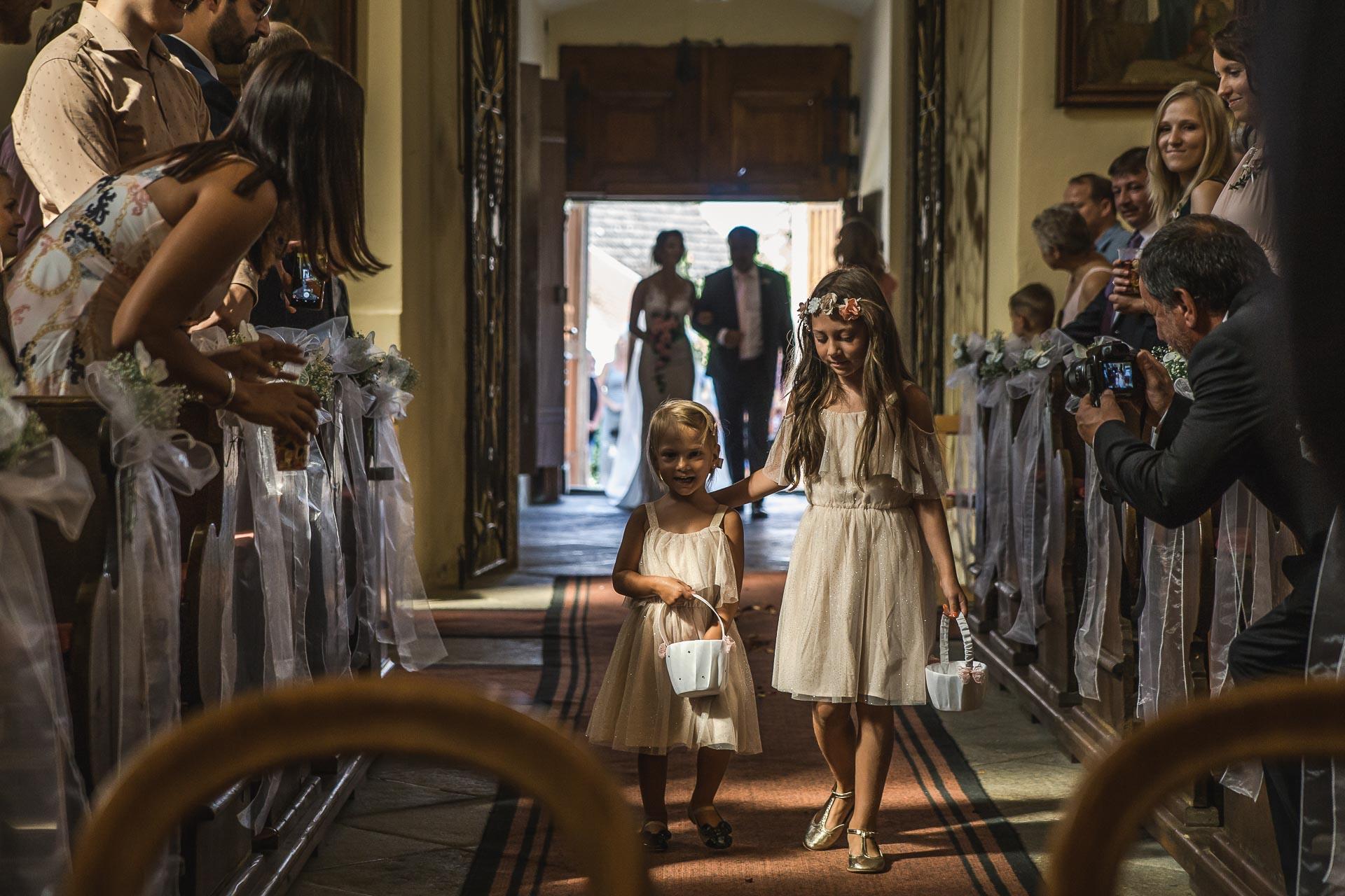 svatební-fotograf-wedding-svatebni-video-orlík-vltava-kostel-statek-stodola-boho-svatba-Beautyfoto-190