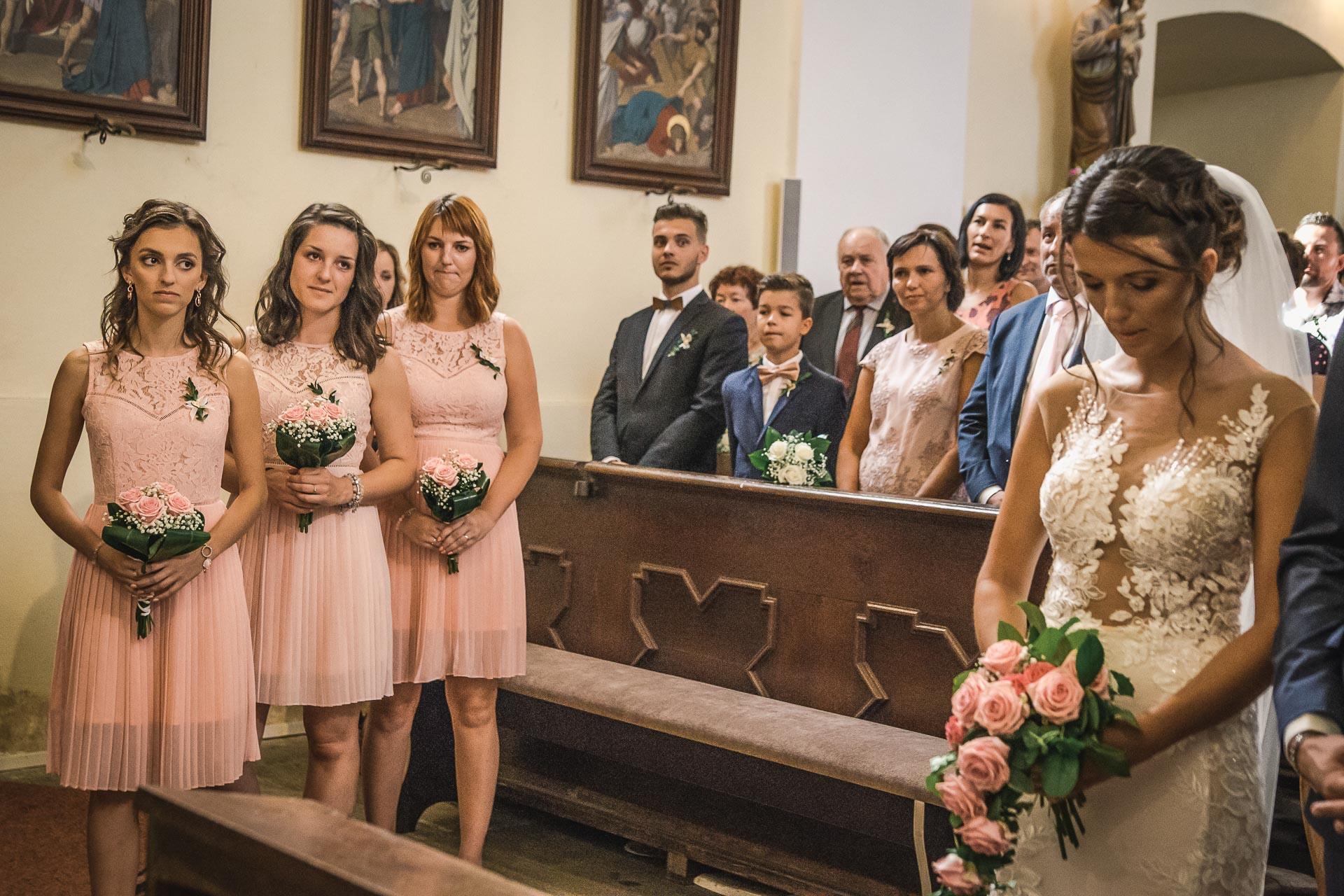 svatební-fotograf-wedding-svatebni-video-orlík-vltava-kostel-statek-stodola-boho-svatba-Beautyfoto-207
