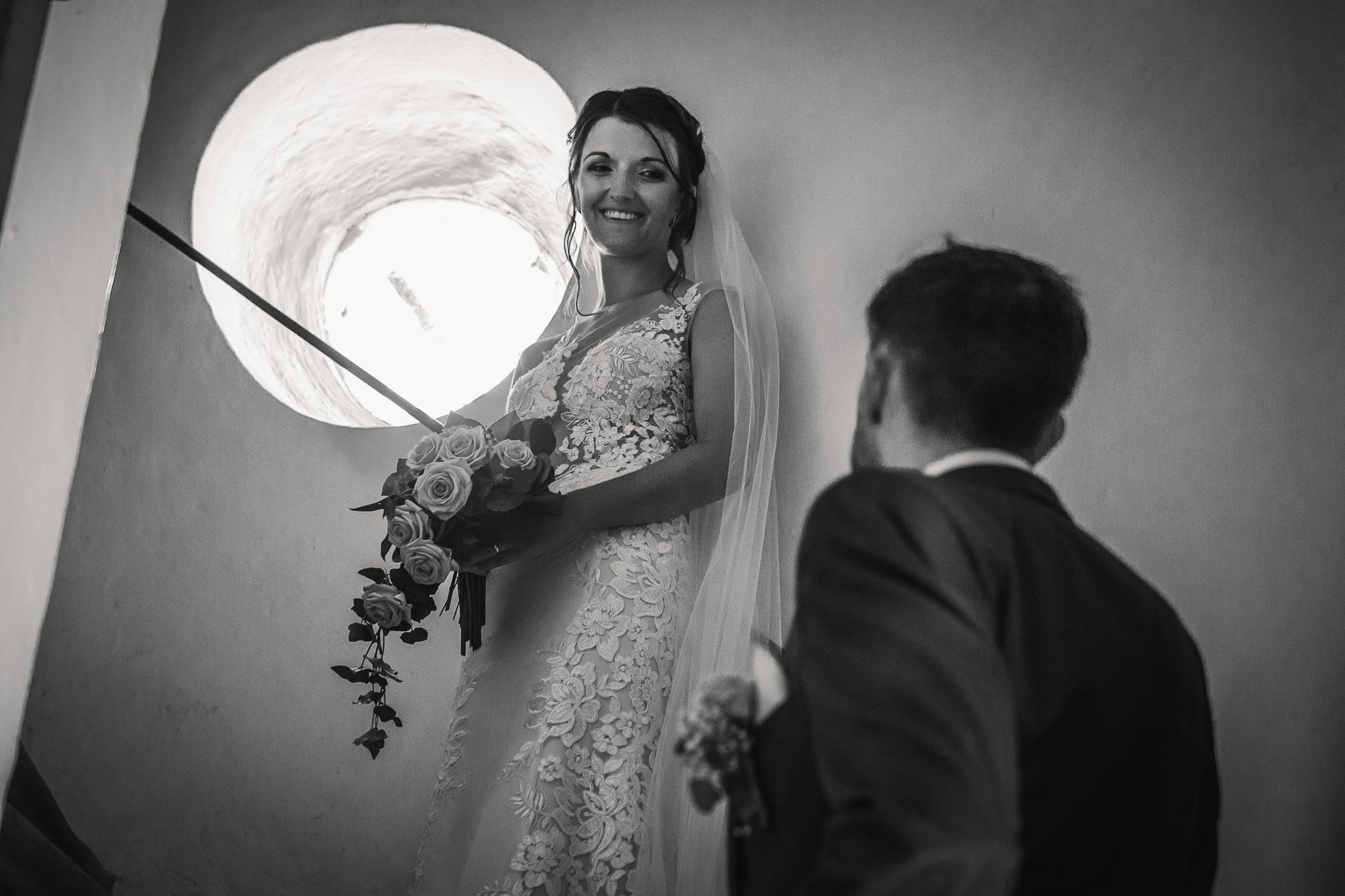 svatební-fotograf-wedding-svatebni-video-orlík-vltava-kostel-statek-stodola-boho-svatba-Beautyfoto-298