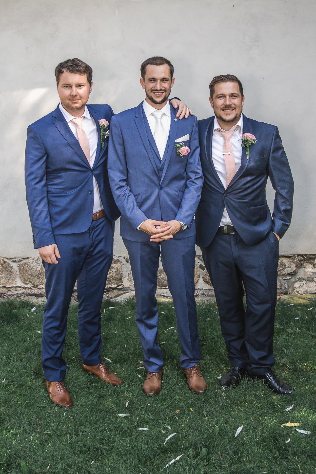 svatební-fotograf-wedding-svatebni-video-orlík-vltava-kostel-statek-stodola-boho-svatba-Beautyfoto-408