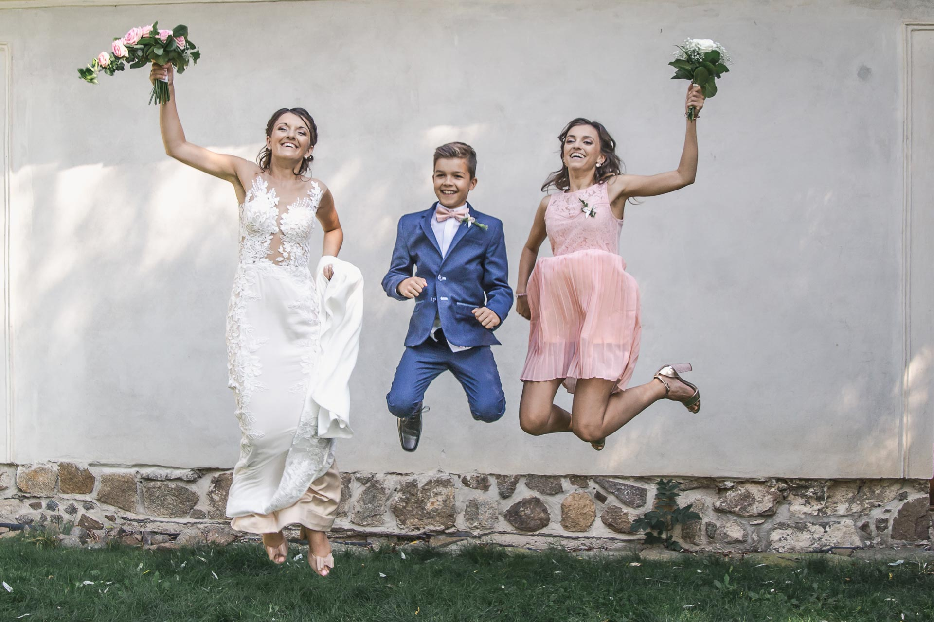 svatební-fotograf-wedding-svatebni-video-orlík-vltava-kostel-statek-stodola-boho-svatba-Beautyfoto-421