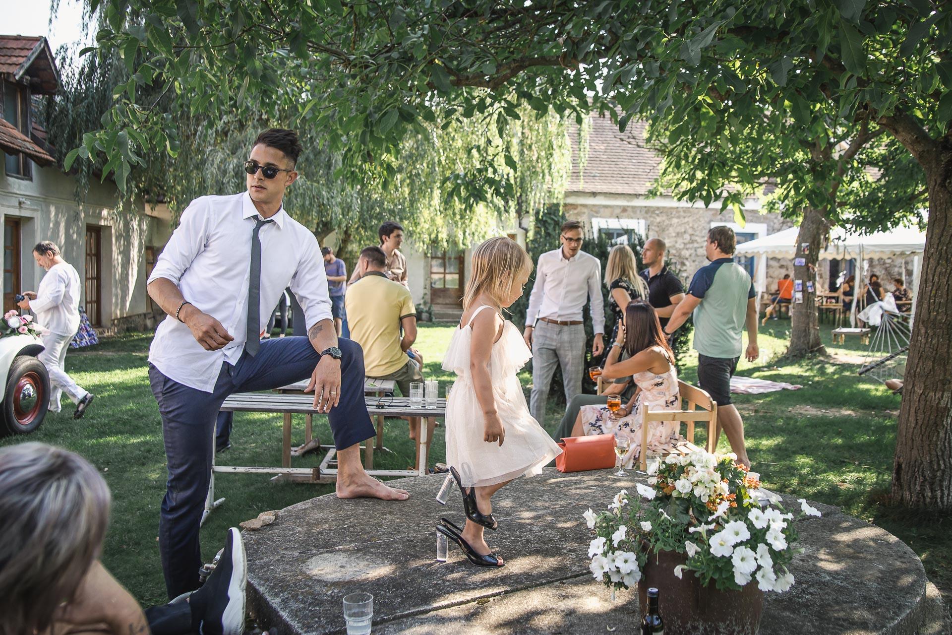 svatební-fotograf-wedding-svatebni-video-orlík-vltava-kostel-statek-stodola-boho-svatba-Beautyfoto-435