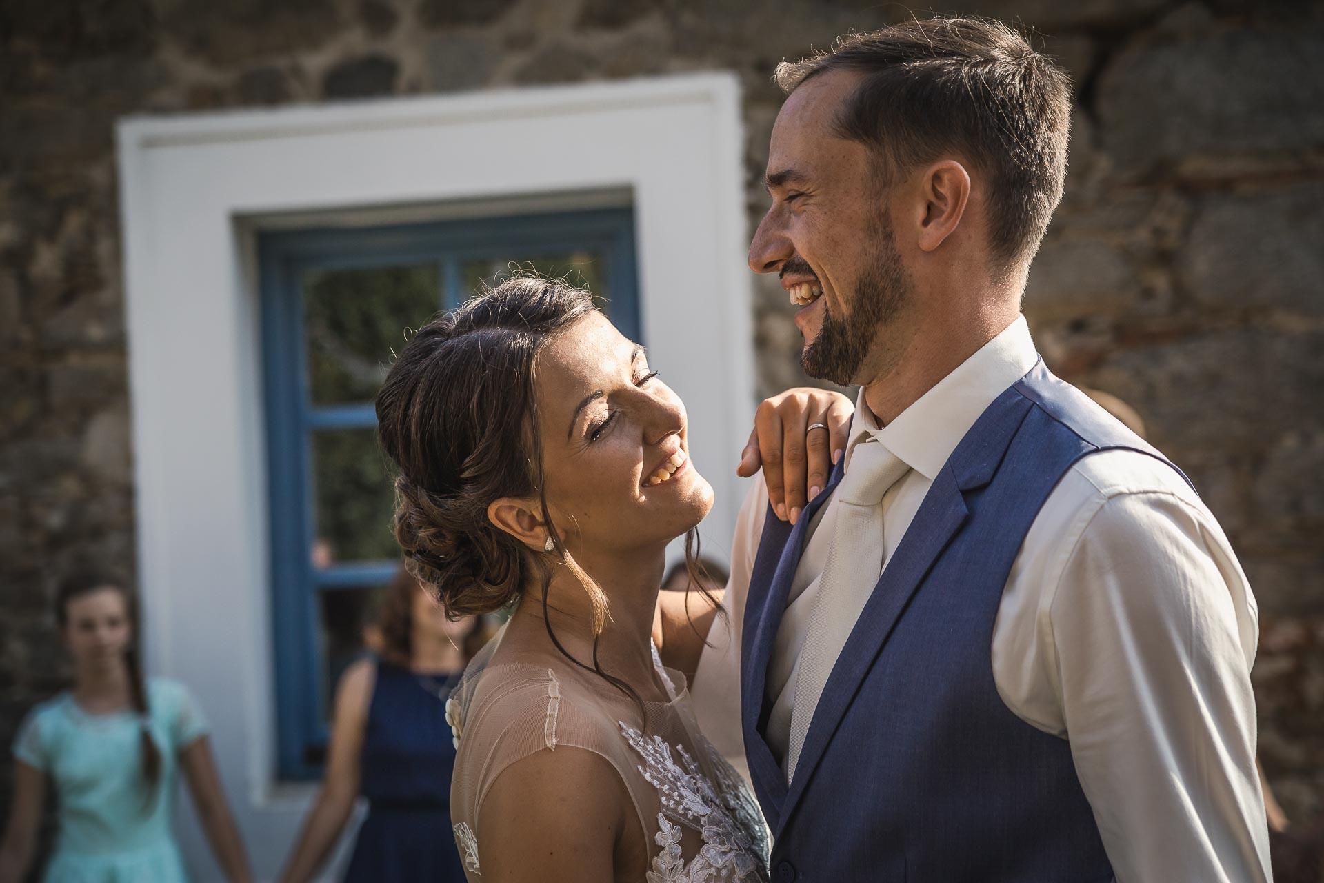 svatební-fotograf-wedding-svatebni-video-orlík-vltava-kostel-statek-stodola-boho-svatba-Beautyfoto-440