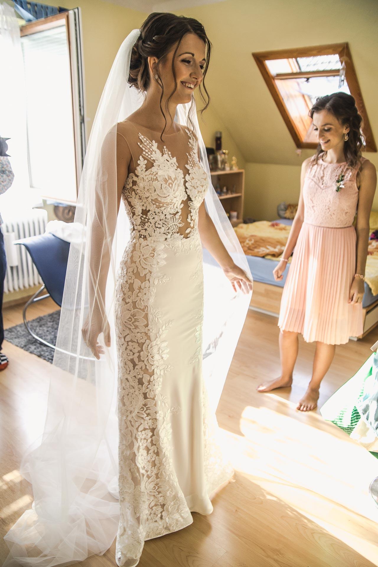 svatební-fotograf-wedding-svatebni-video-orlík-vltava-kostel-statek-stodola-boho-svatba-Beautyfoto-46