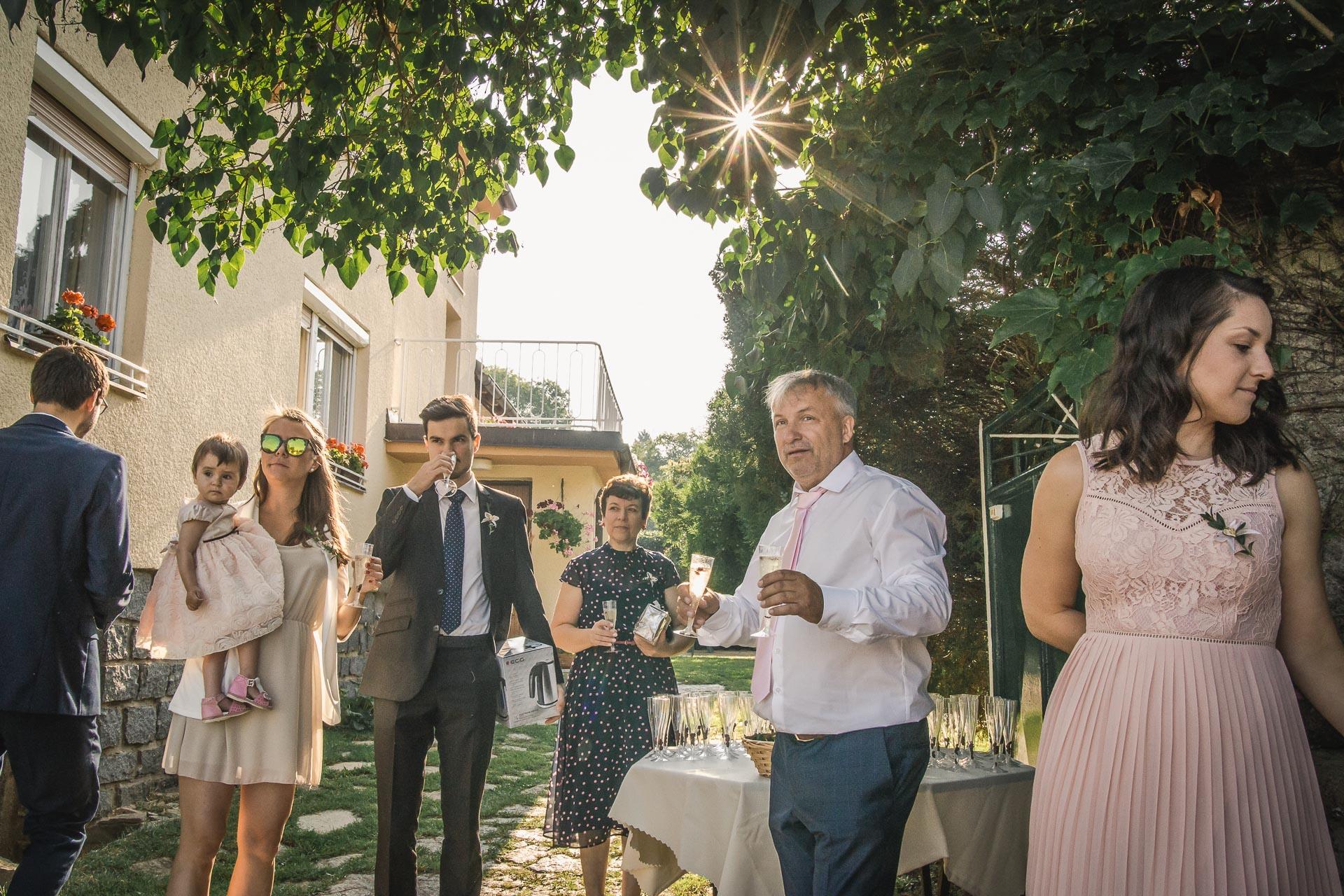 svatební-fotograf-wedding-svatebni-video-orlík-vltava-kostel-statek-stodola-boho-svatba-Beautyfoto-47