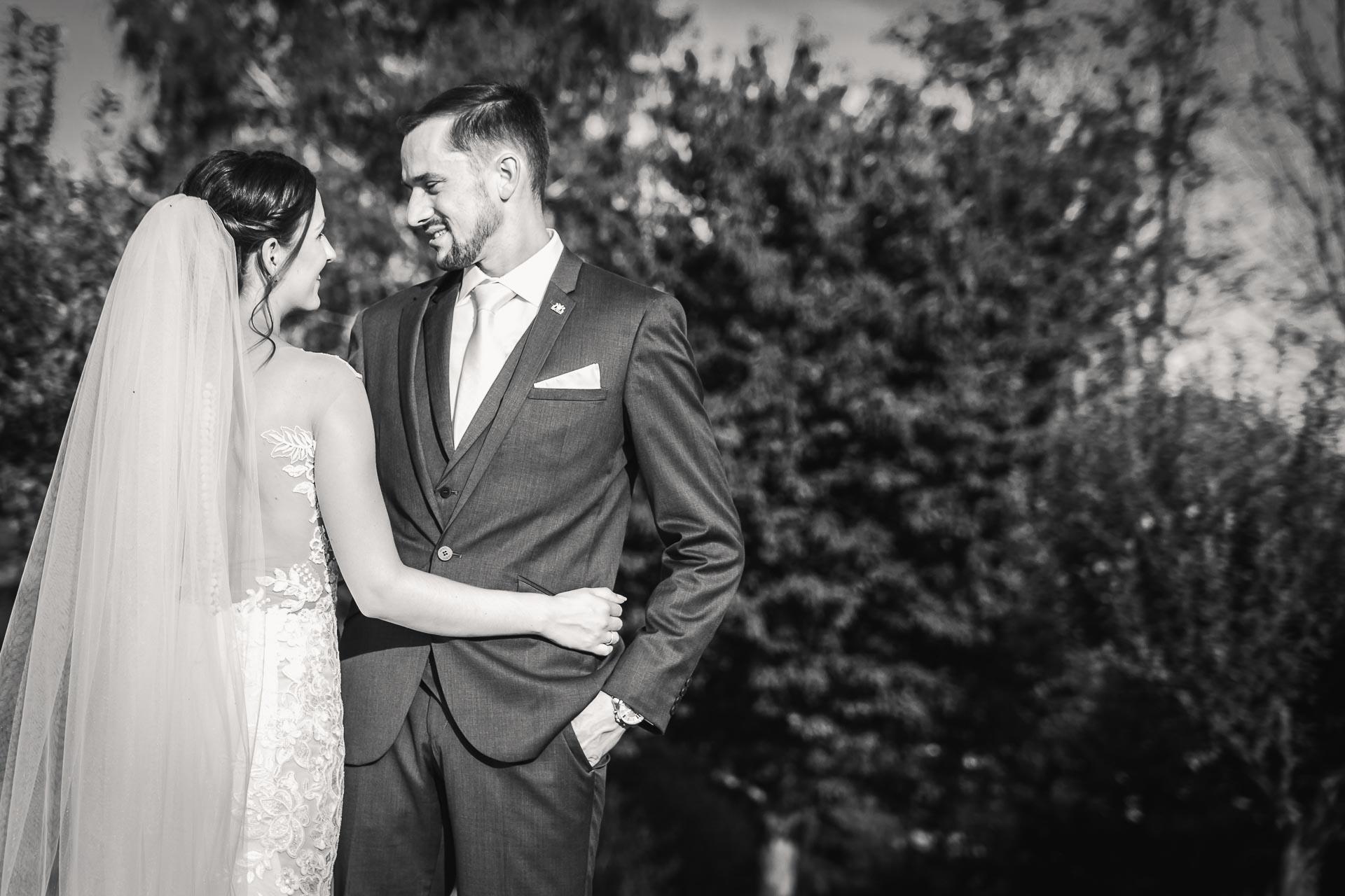 svatební-fotograf-wedding-svatebni-video-orlík-vltava-kostel-statek-stodola-boho-svatba-Beautyfoto-507