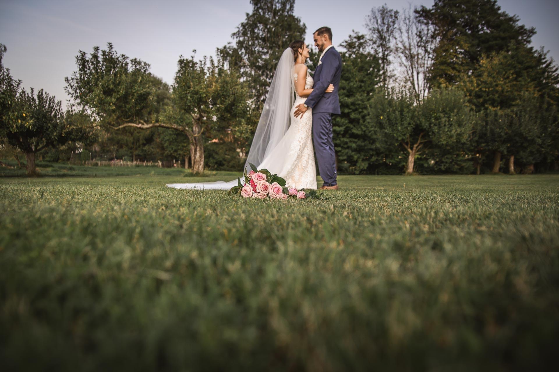 svatební-fotograf-wedding-svatebni-video-orlík-vltava-kostel-statek-stodola-boho-svatba-Beautyfoto-512