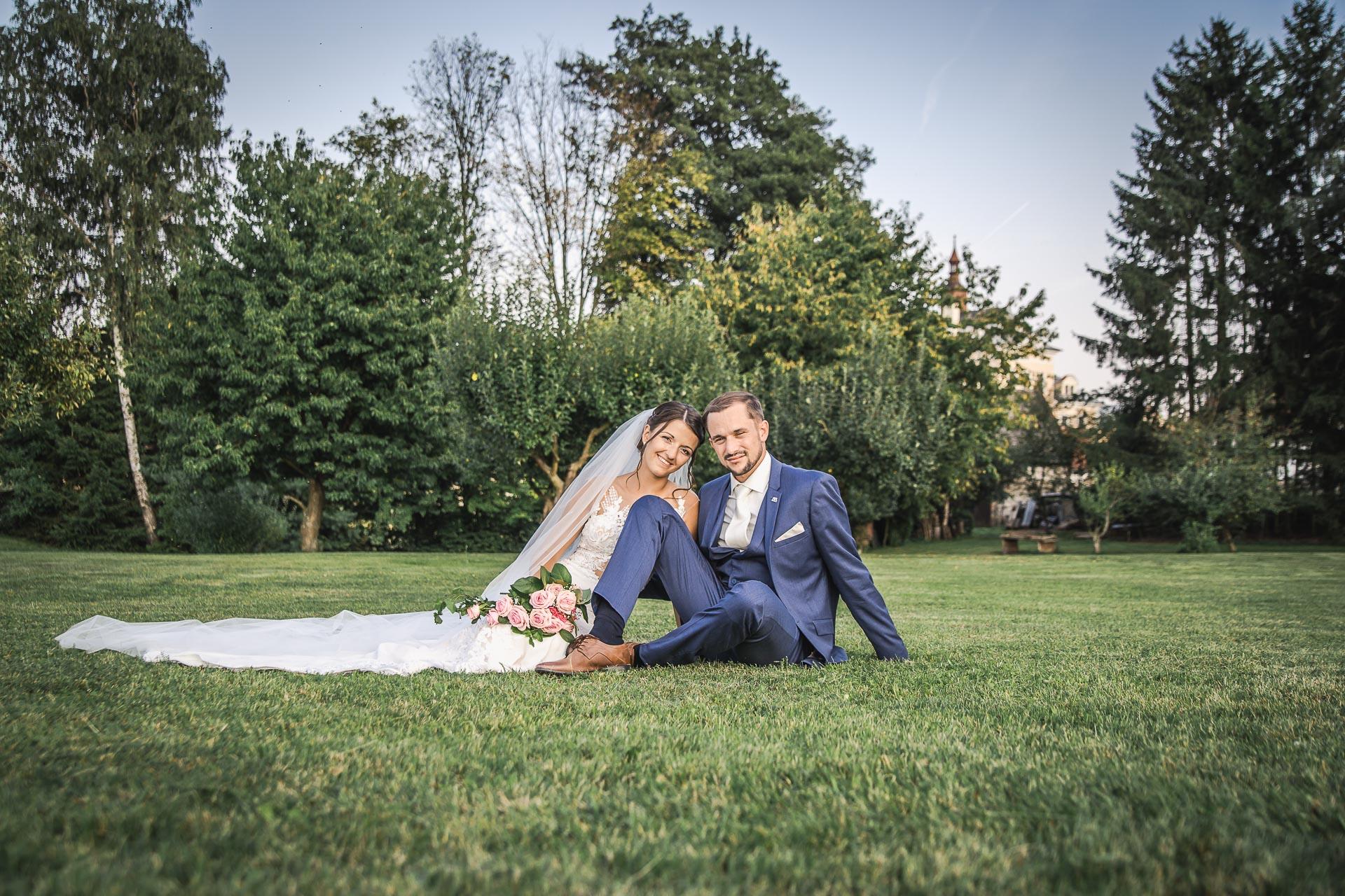 svatební-fotograf-wedding-svatebni-video-orlík-vltava-kostel-statek-stodola-boho-svatba-Beautyfoto-524