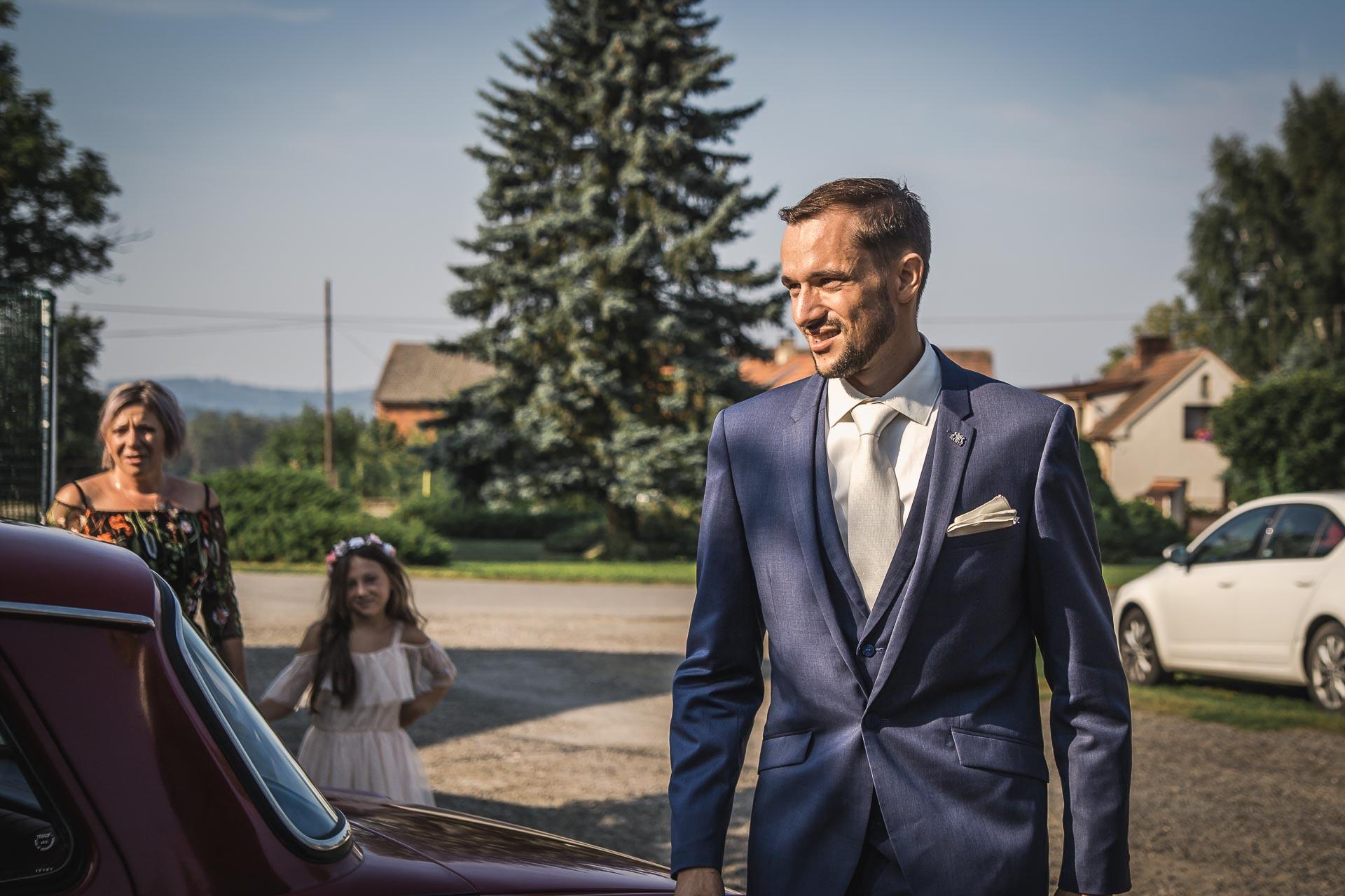 svatební-fotograf-wedding-svatebni-video-orlík-vltava-kostel-statek-stodola-boho-svatba-Beautyfoto-63