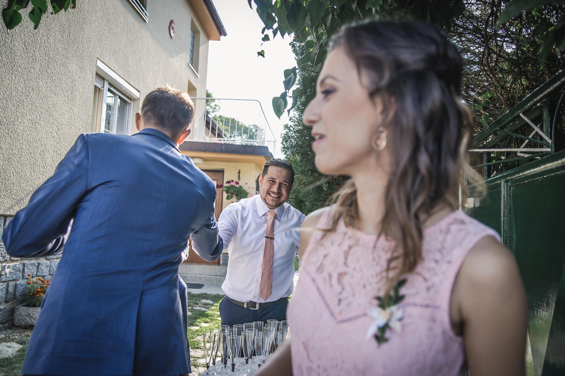 svatební-fotograf-wedding-svatebni-video-orlík-vltava-kostel-statek-stodola-boho-svatba-Beautyfoto-68