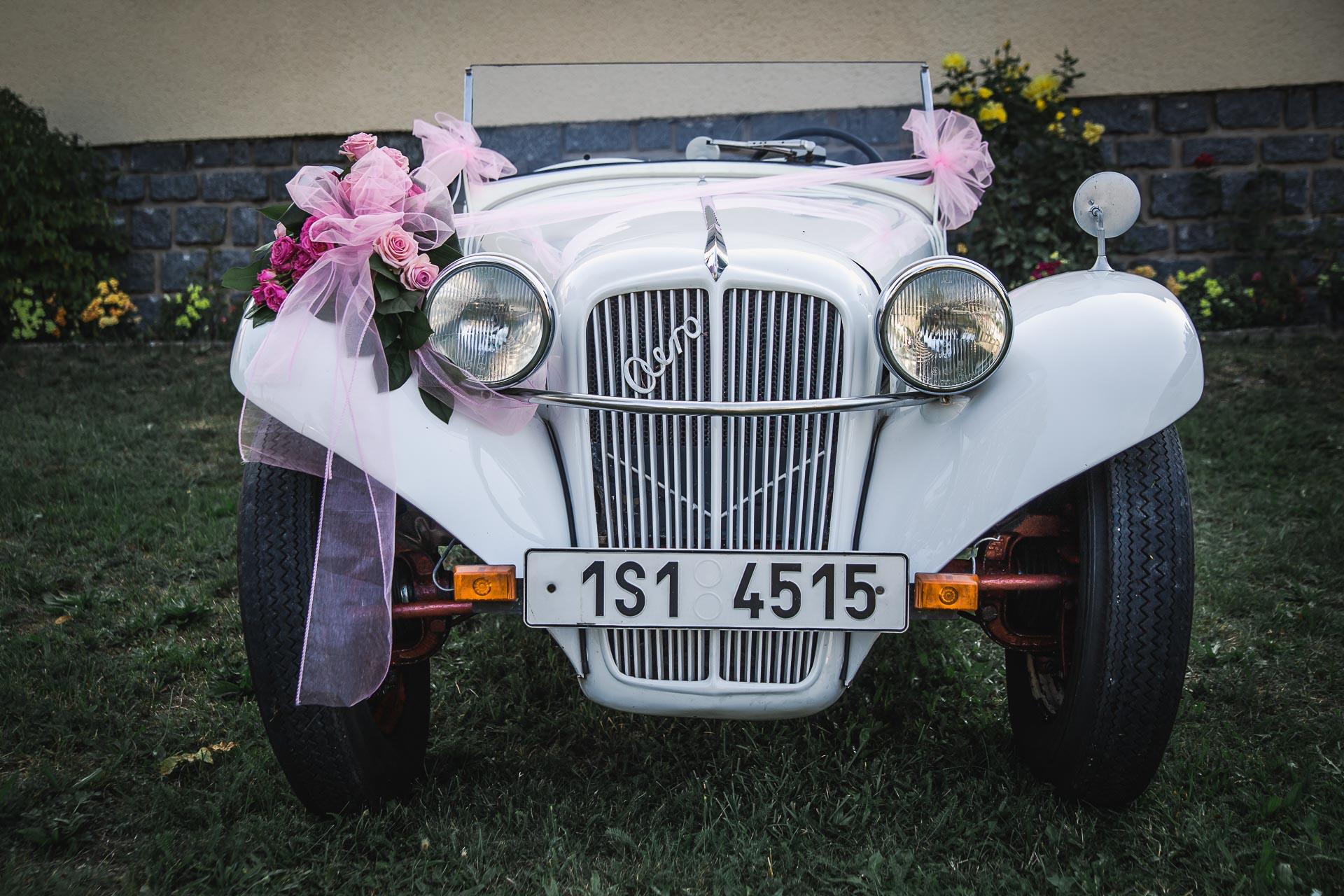 svatební-fotograf-wedding-svatebni-video-orlík-vltava-kostel-statek-stodola-boho-svatba-Beautyfoto-73