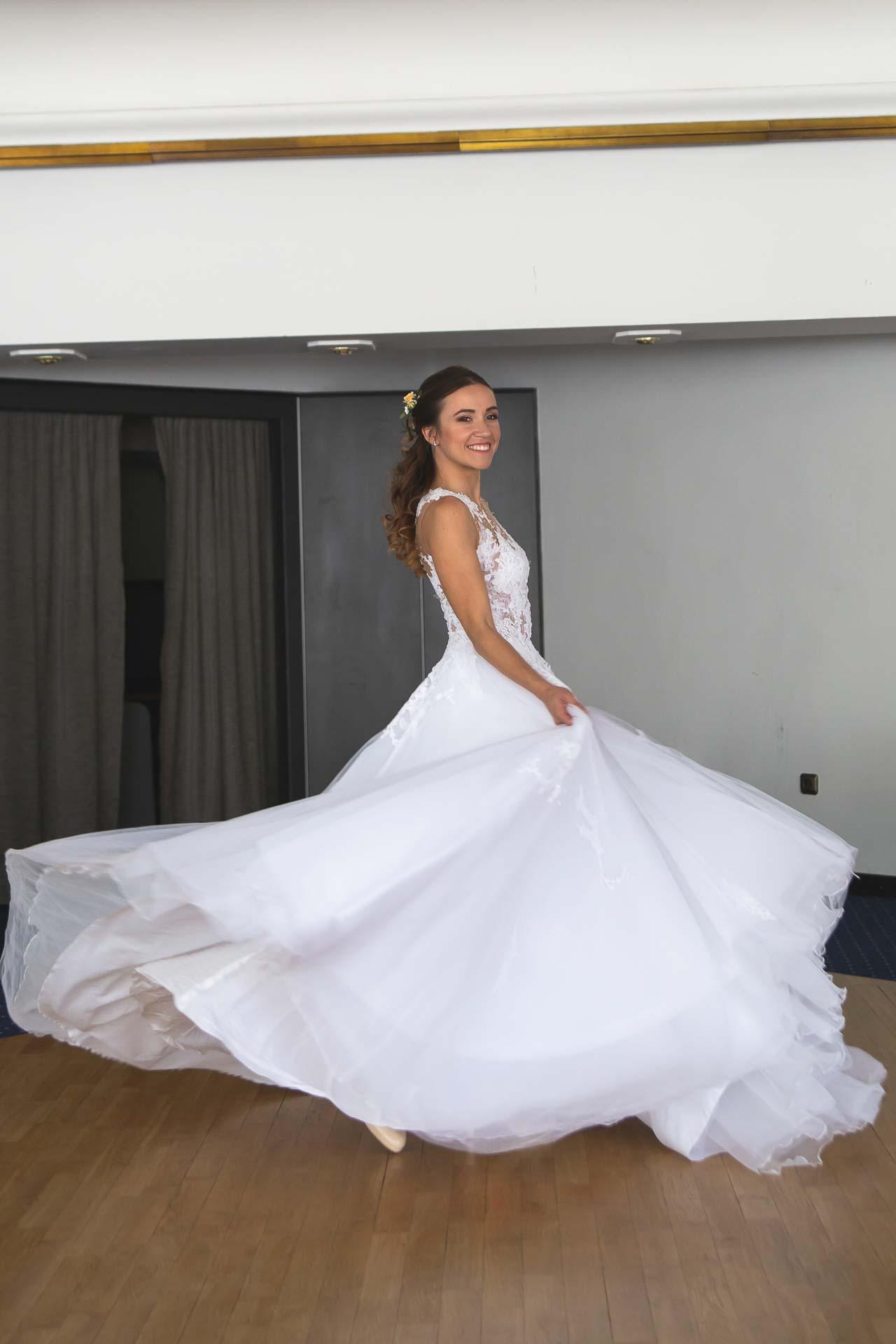 svatební-fotograf-svatebni-video-Nymburk-hotel-Ostrov-Beautyfoto-4876