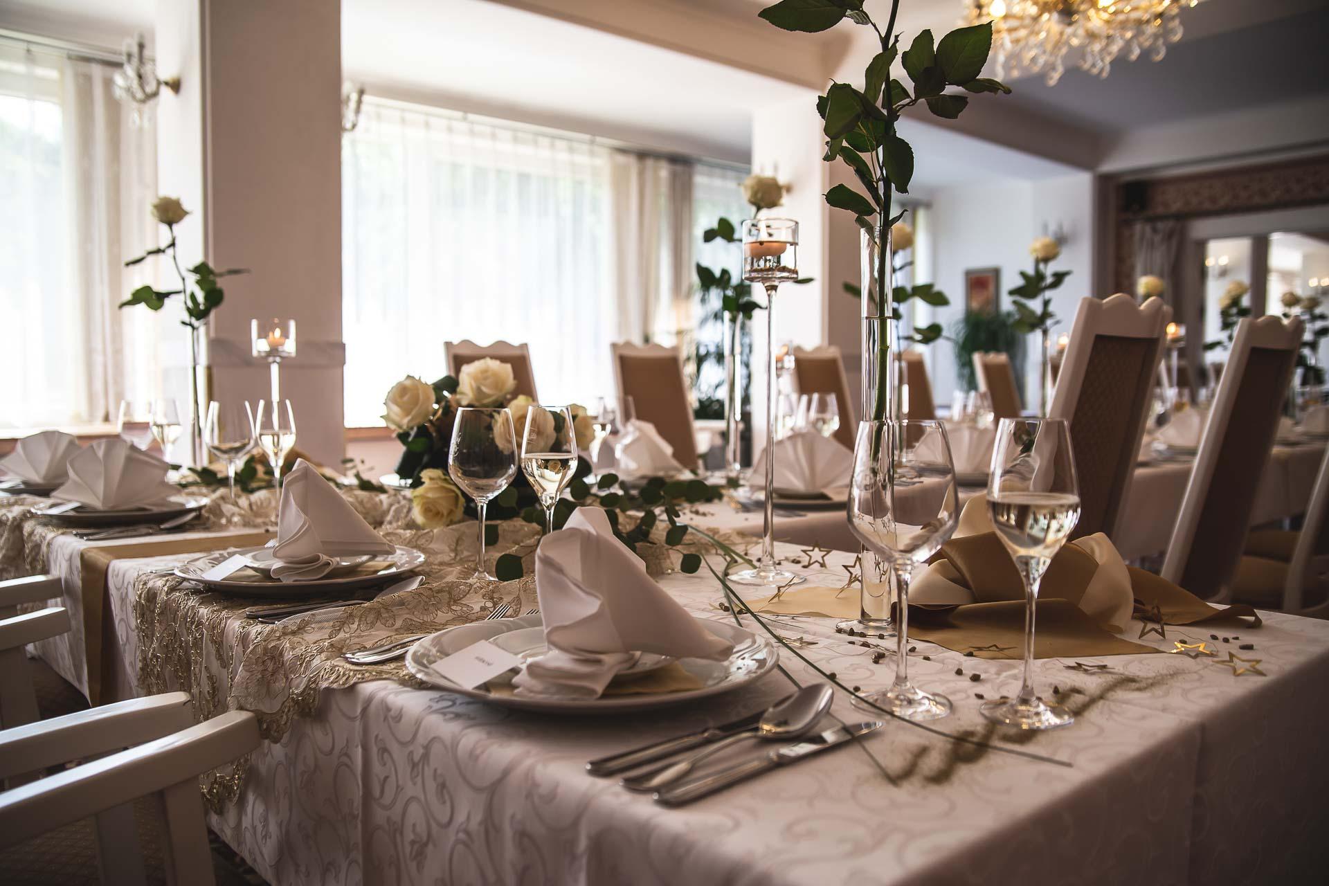 svatební-fotograf-svatebni-video-Nymburk-hotel-Ostrov-Beautyfoto-5888
