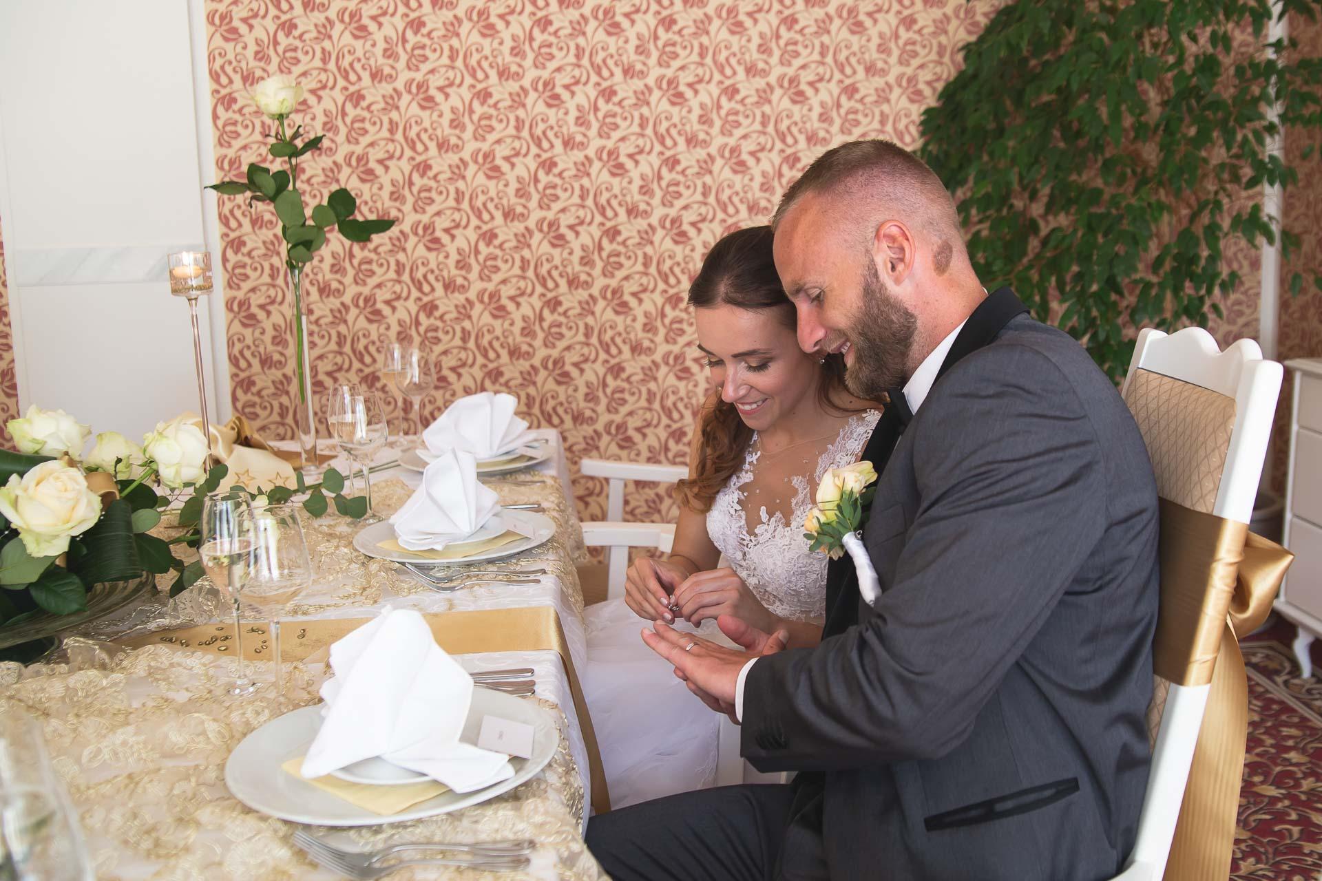svatební-fotograf-svatebni-video-Nymburk-hotel-Ostrov-Beautyfoto-5923