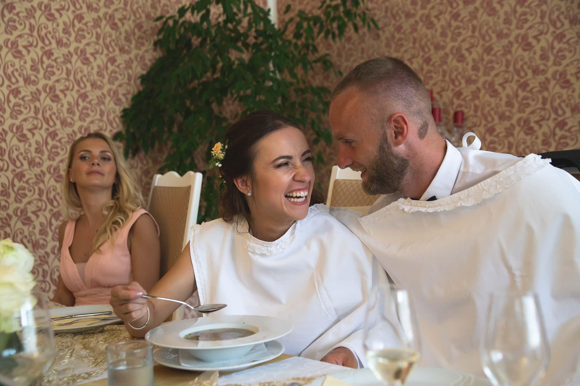 svatební-fotograf-svatebni-video-Nymburk-hotel-Ostrov-Beautyfoto-5993