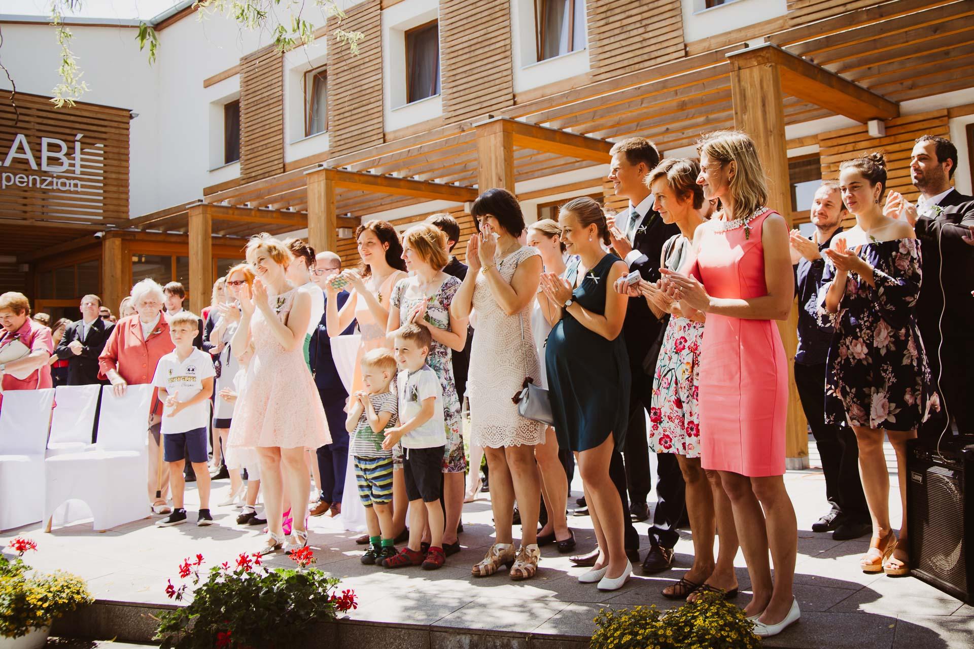 svatební fotograf Lysá nad Labem, penzion Polabí Přerov nad Labem, letní svatba-106