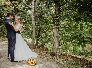 svatební fotograf Lysá nad Labem,  svatební video Lysá na Labem, svatba v zámeckém parku-223