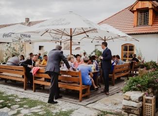 svatební fotograf Lysá nad Labem,  svatební video Lysá na Labem, svatba v zámeckém parku-230