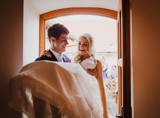 svatební fotograf Lysá nad Labem,  svatební video Lysá na Labem, svatba v zámeckém parku-245